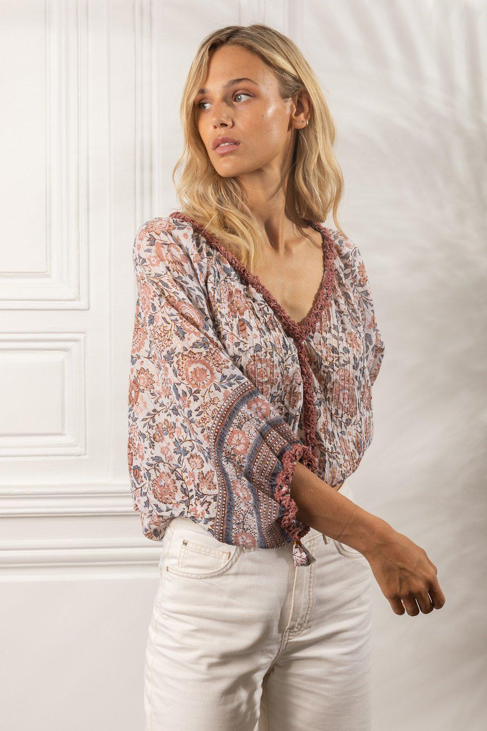 Top Blouse Ariel Pleated White Pink Celery