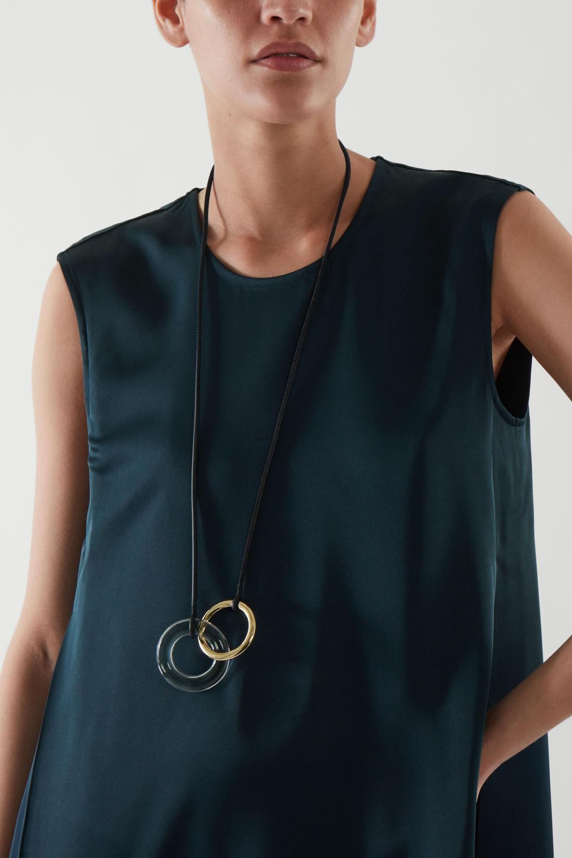 INTERLINKED RING NECKLACE 2