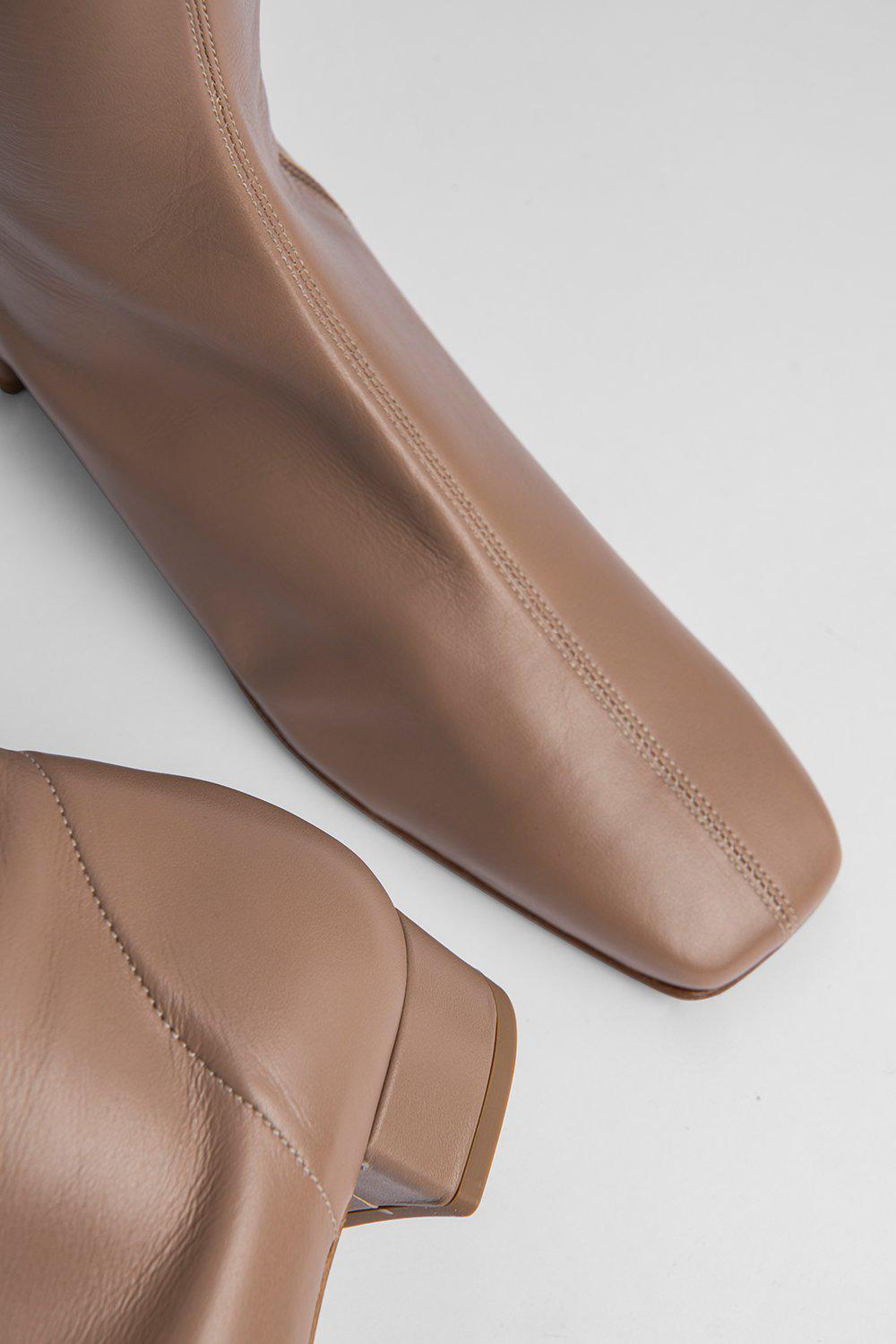 Edie Nude Leather 2