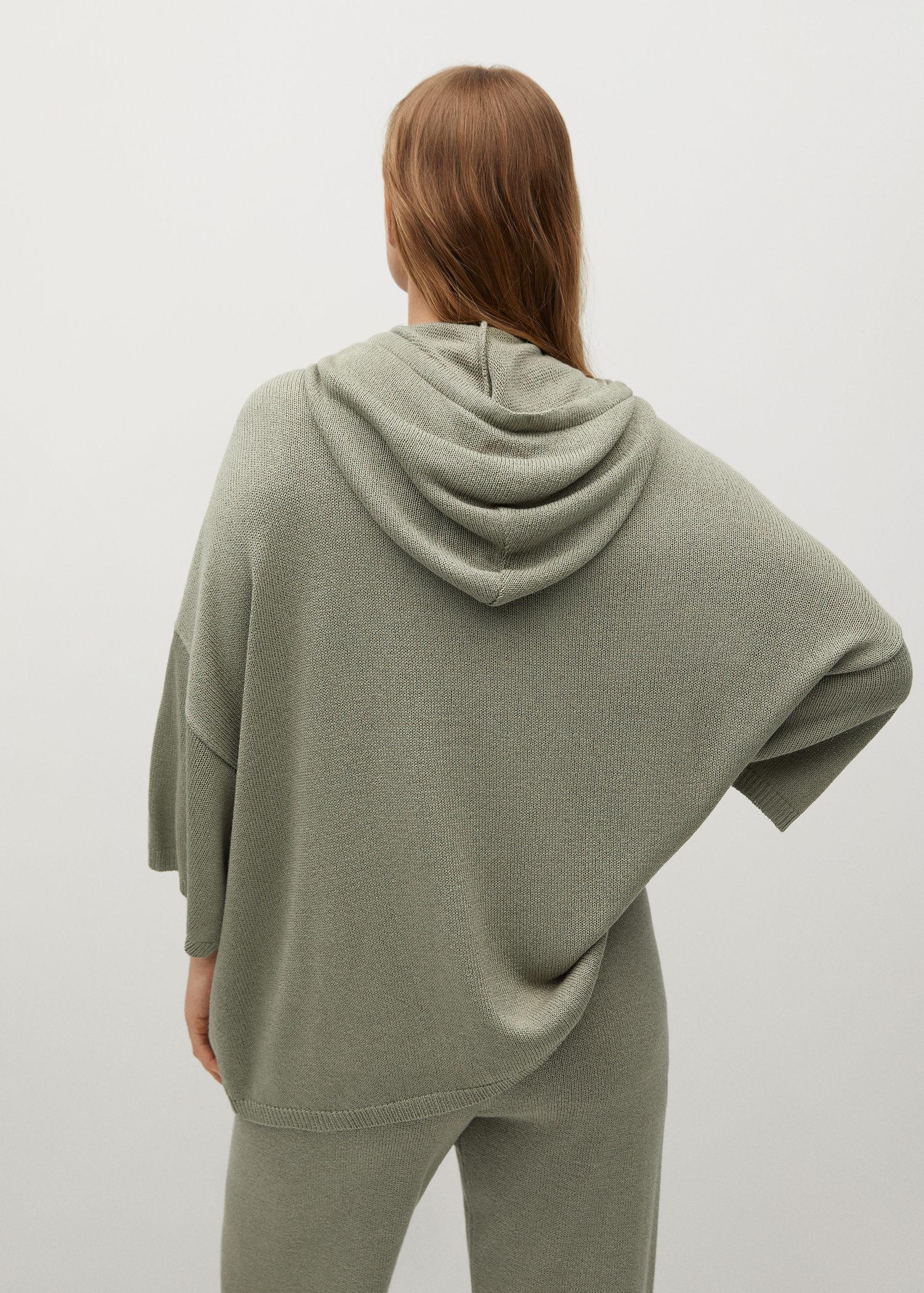 Oversized hooded sweater 2