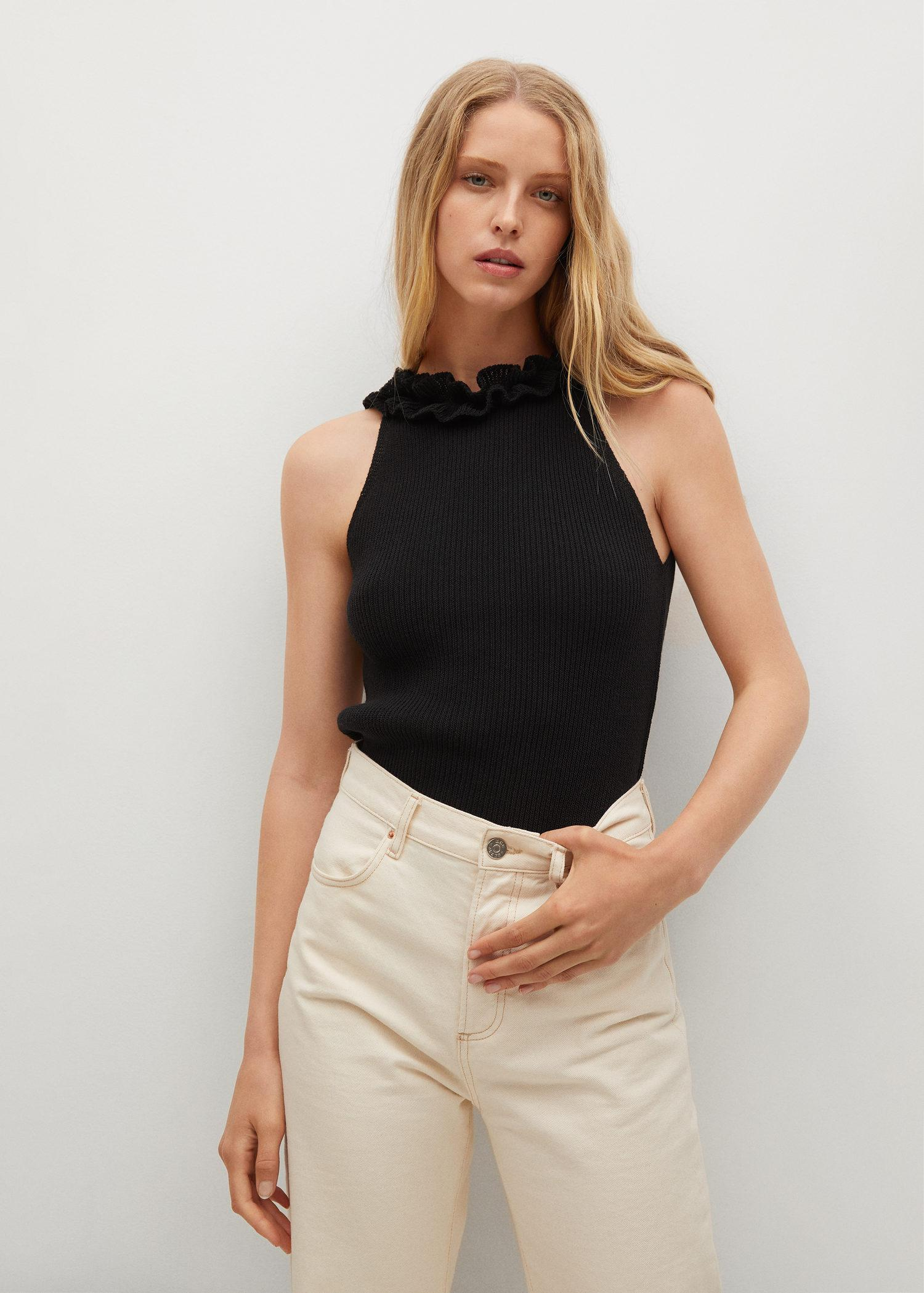 Cut-out detail top