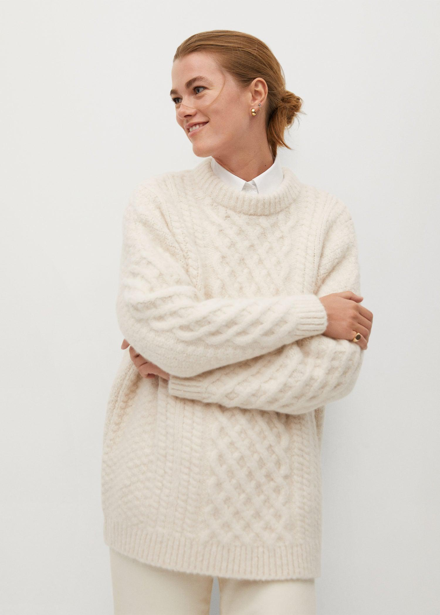 Contrasting knitted long sweater