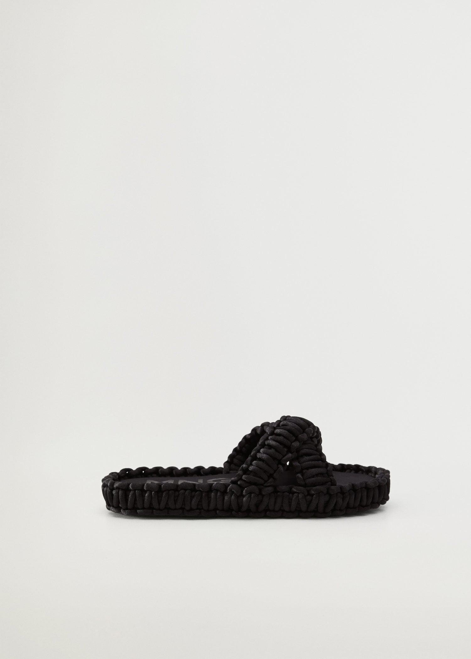 Fabric sandals with knots