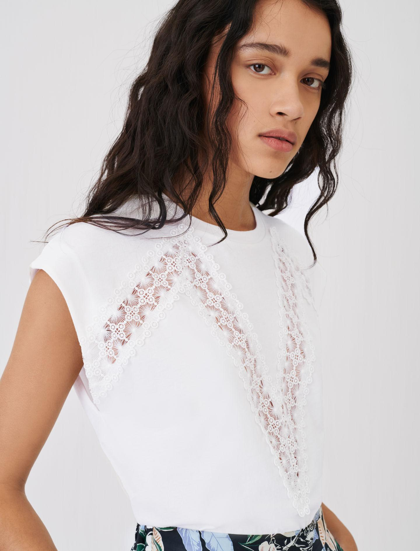 T-SHIRT WITH LACE TRIMS