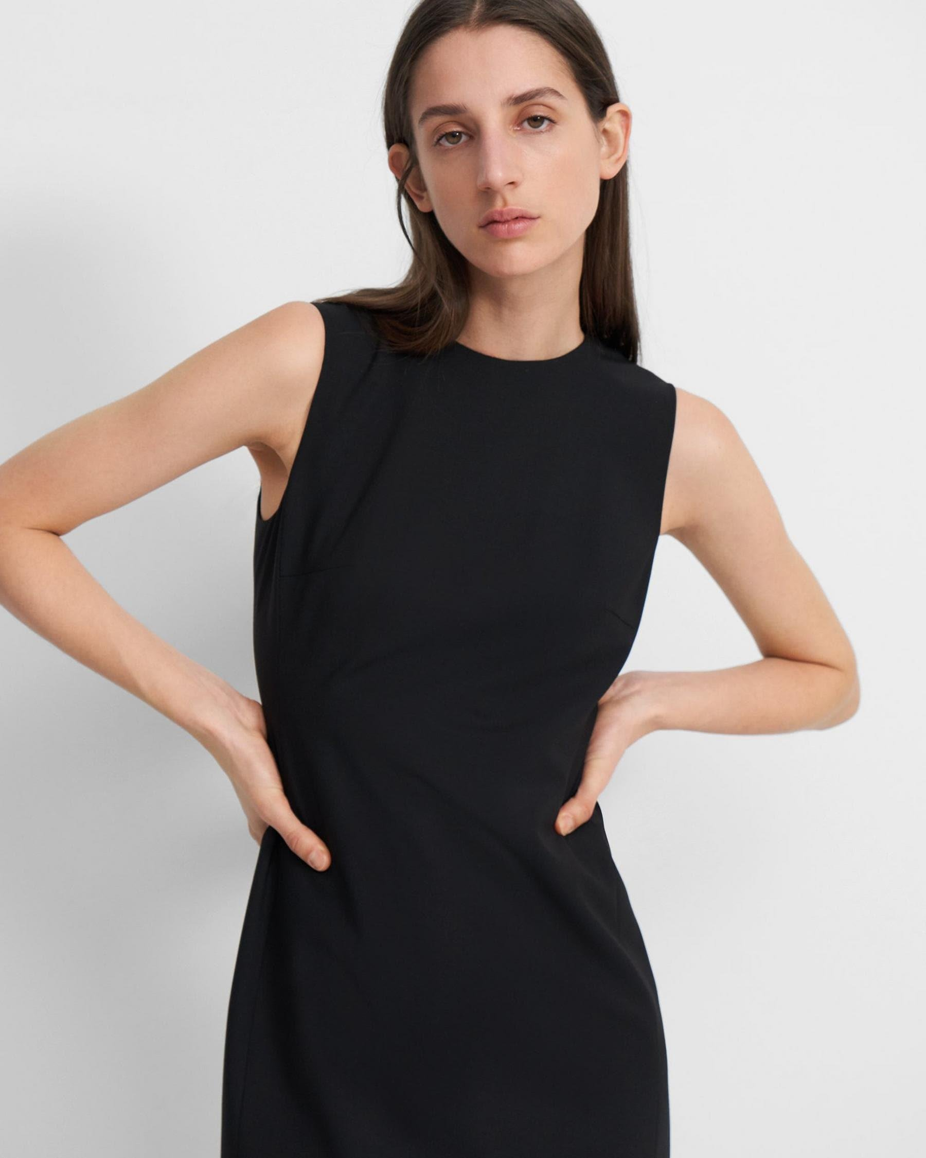 Sleeveless Fitted Dress in Good Wool 1