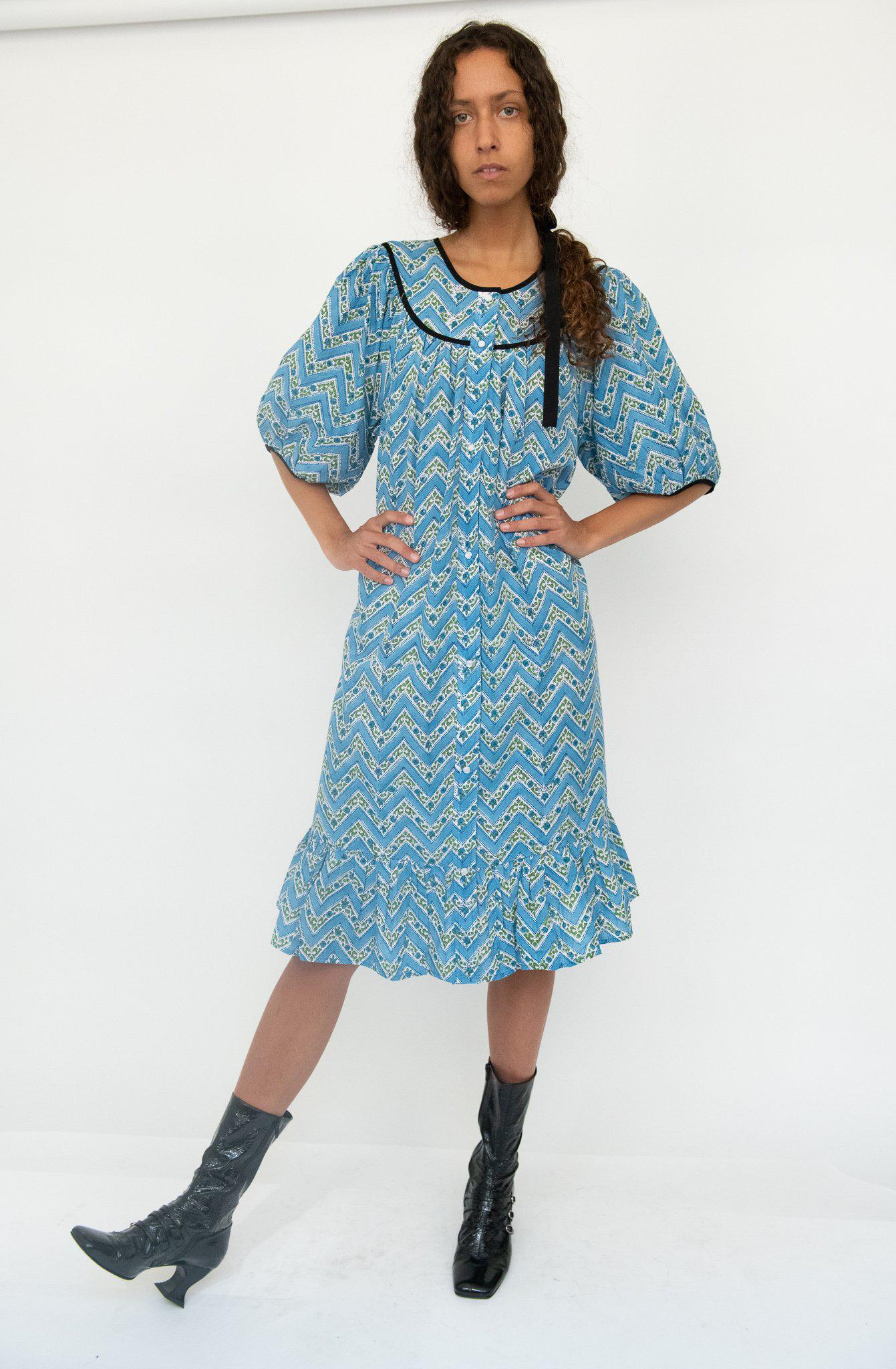 Snap Housedress in Blue Zigzag
