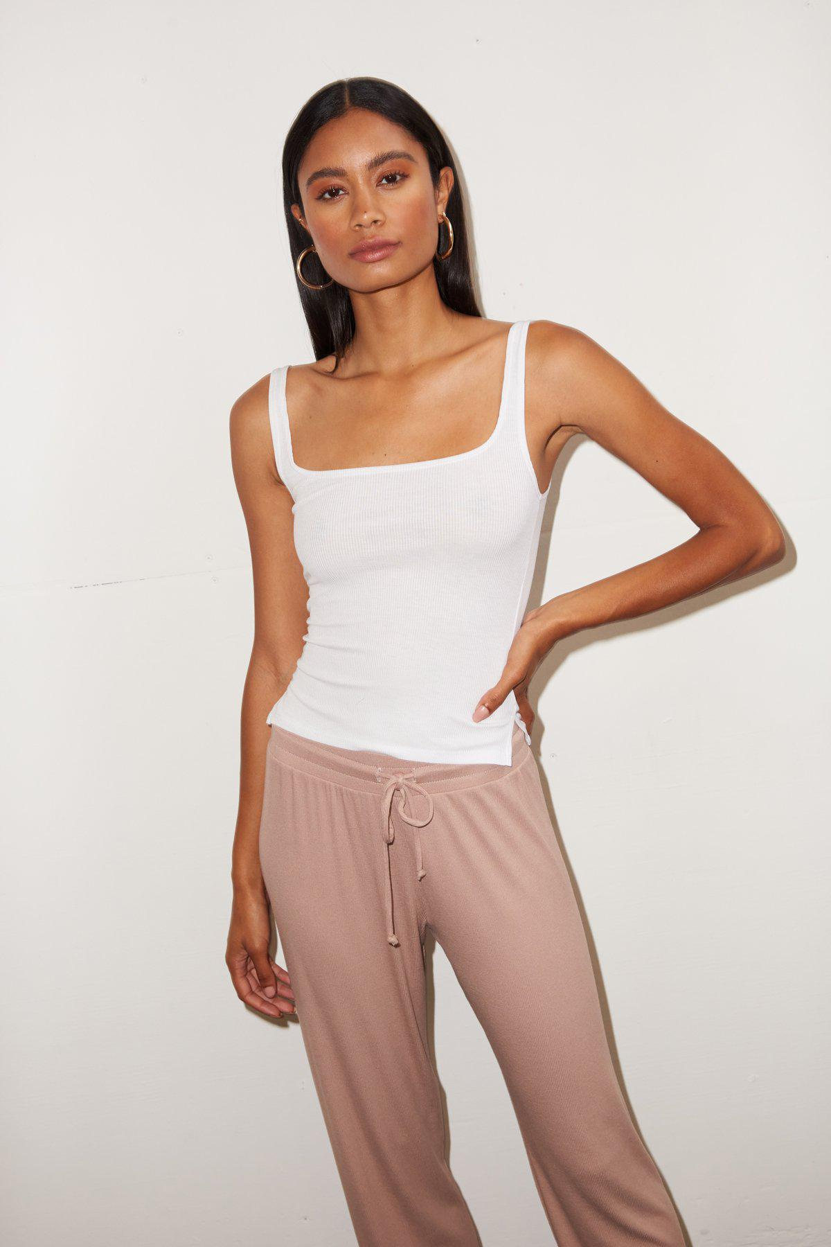 Essential Ribbed Scoop Tank - White