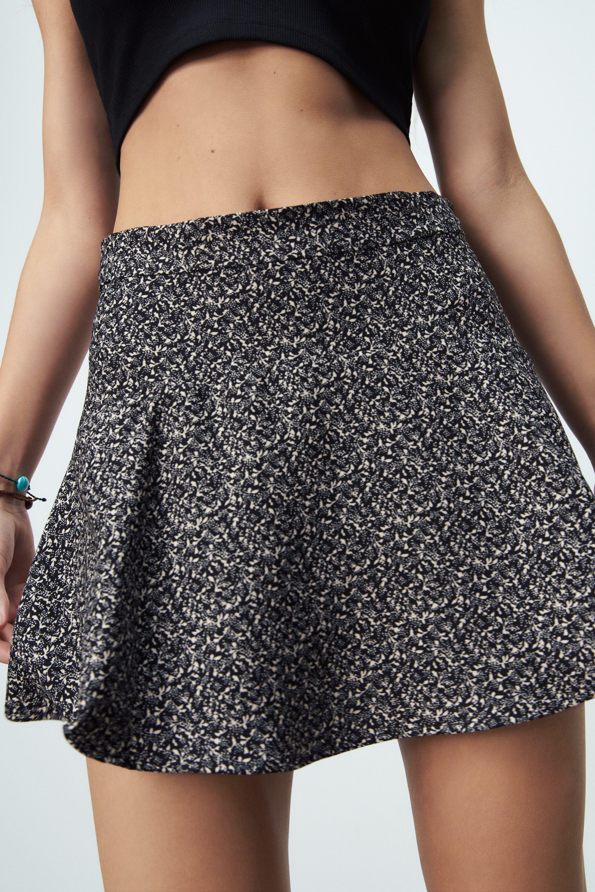 PRINT PANTS WITH SKIRT FRONT 2