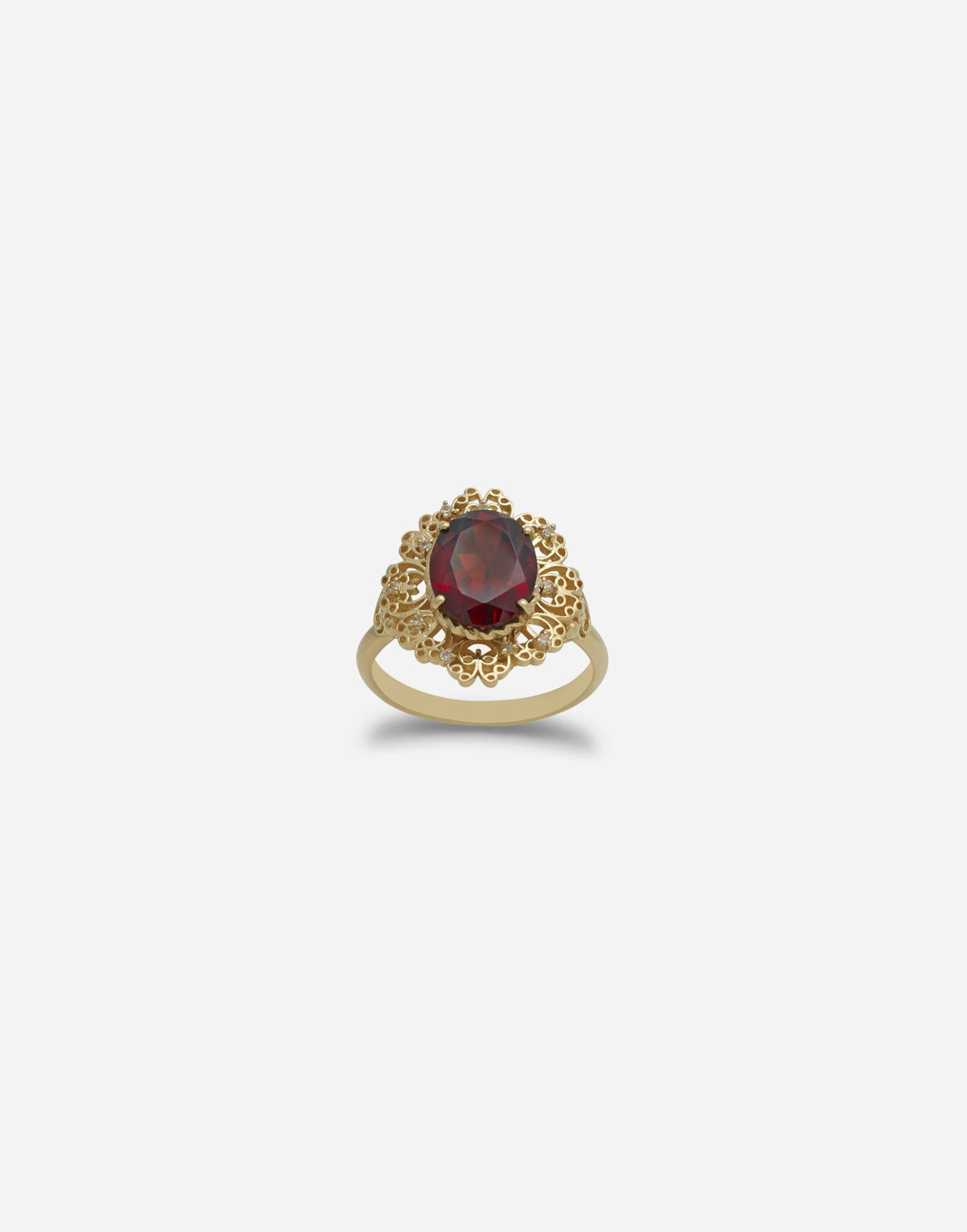 Barocco ring in yellow gold and rhodolite garnet