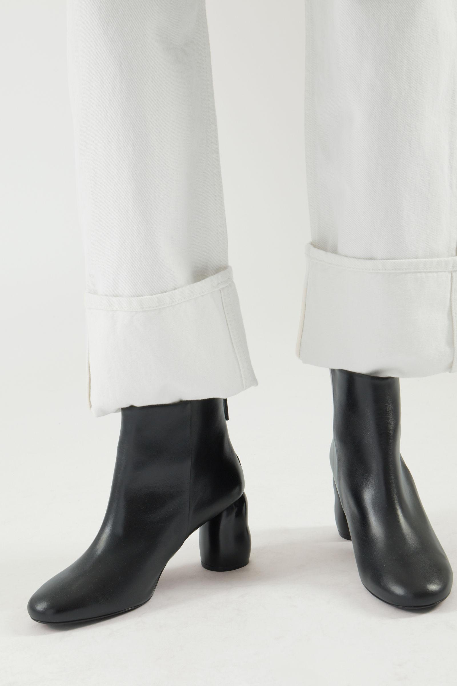 HEELED LEATHER ANKLE BOOTS 5