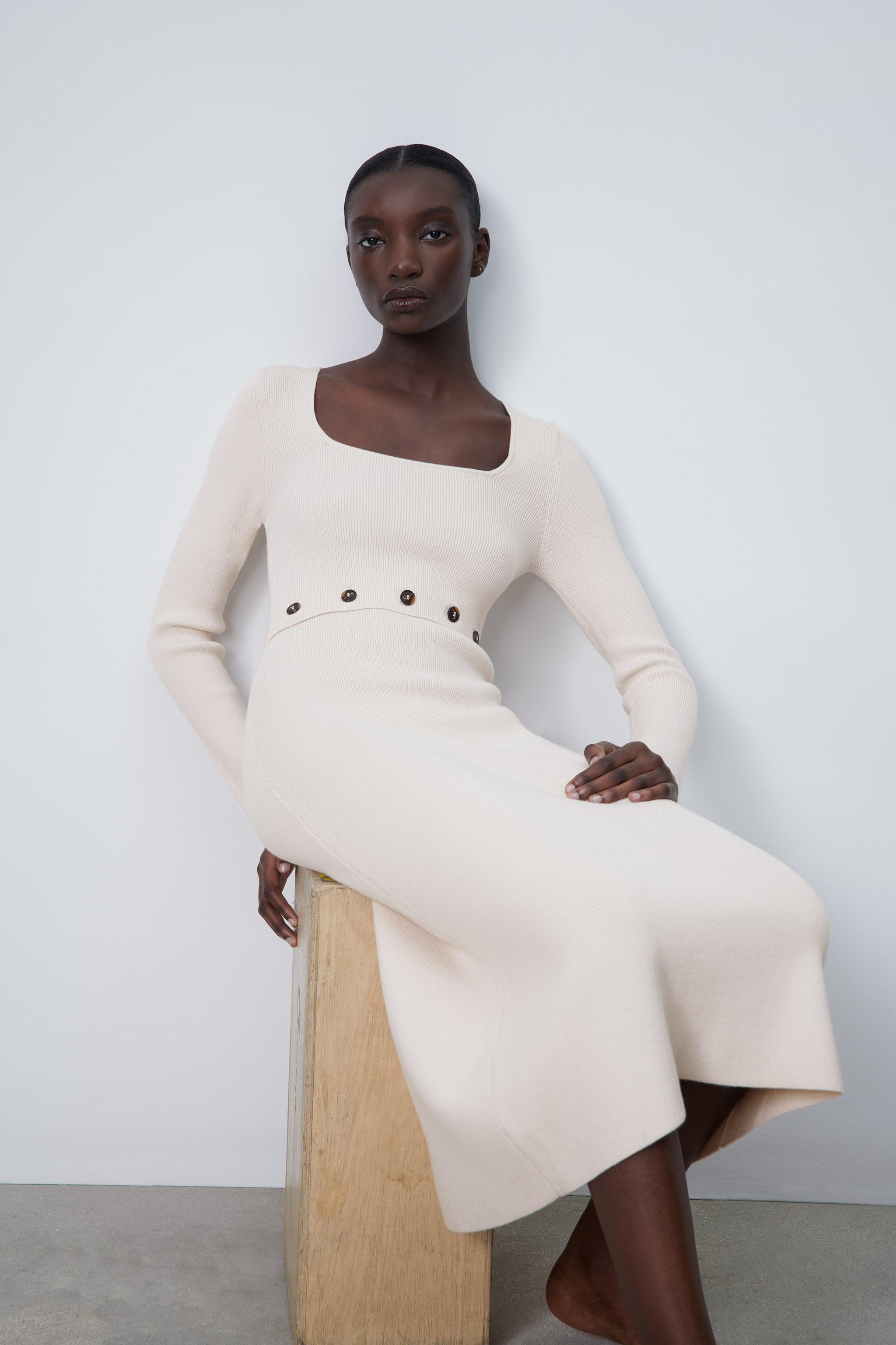 KNIT DRESS WITH BUTTONS 0