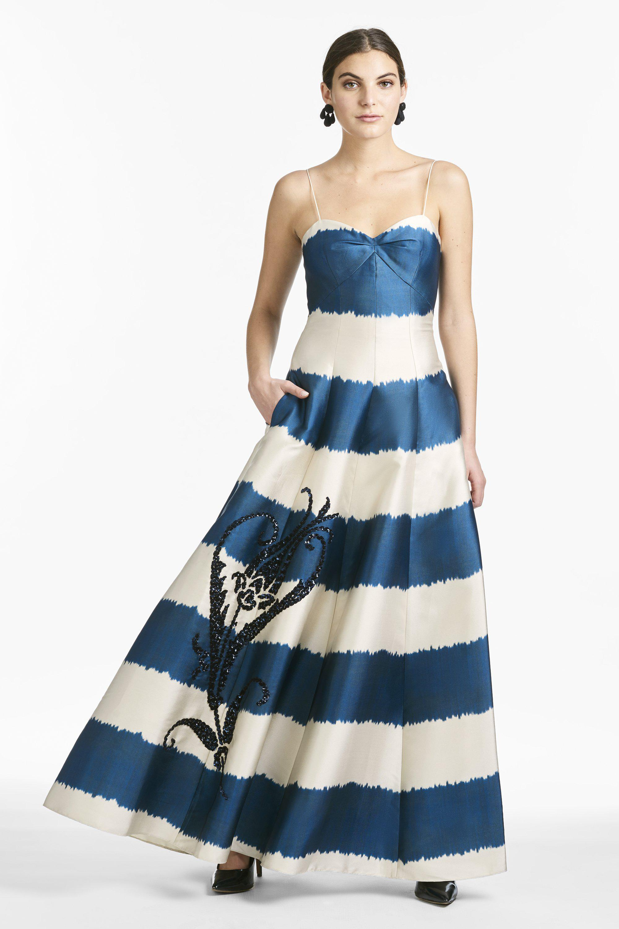 Tophane Gown