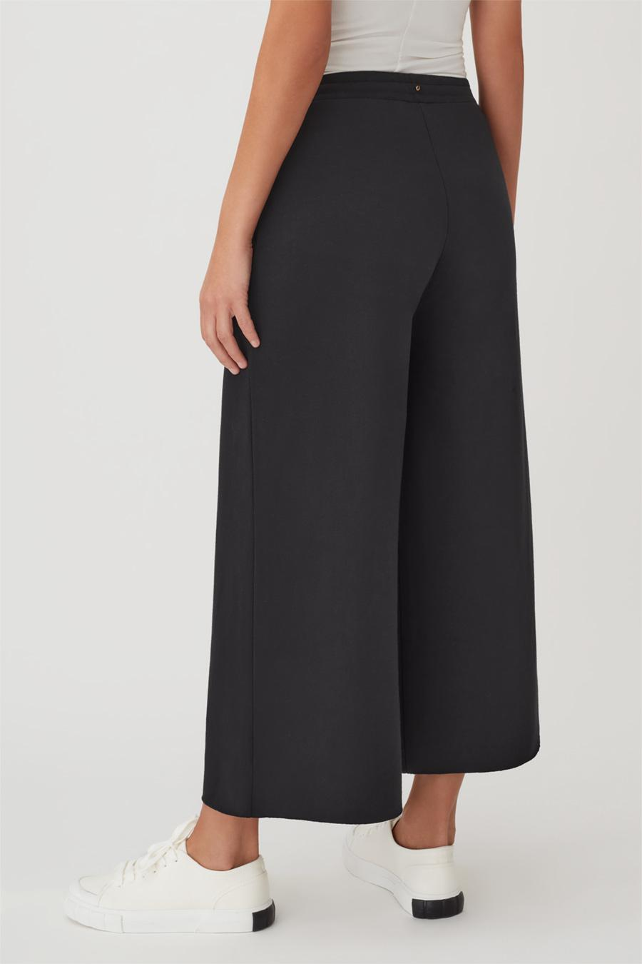 Women's French Terry Wide-Leg Cropped Pant in Black   Size: 2