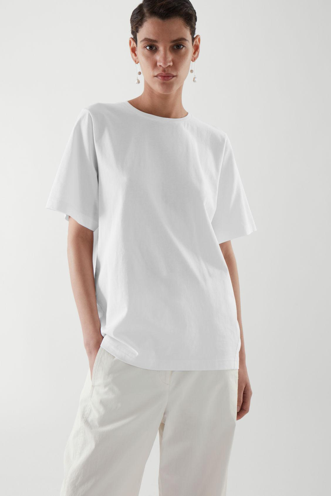 CURVED T-SHIRT 2