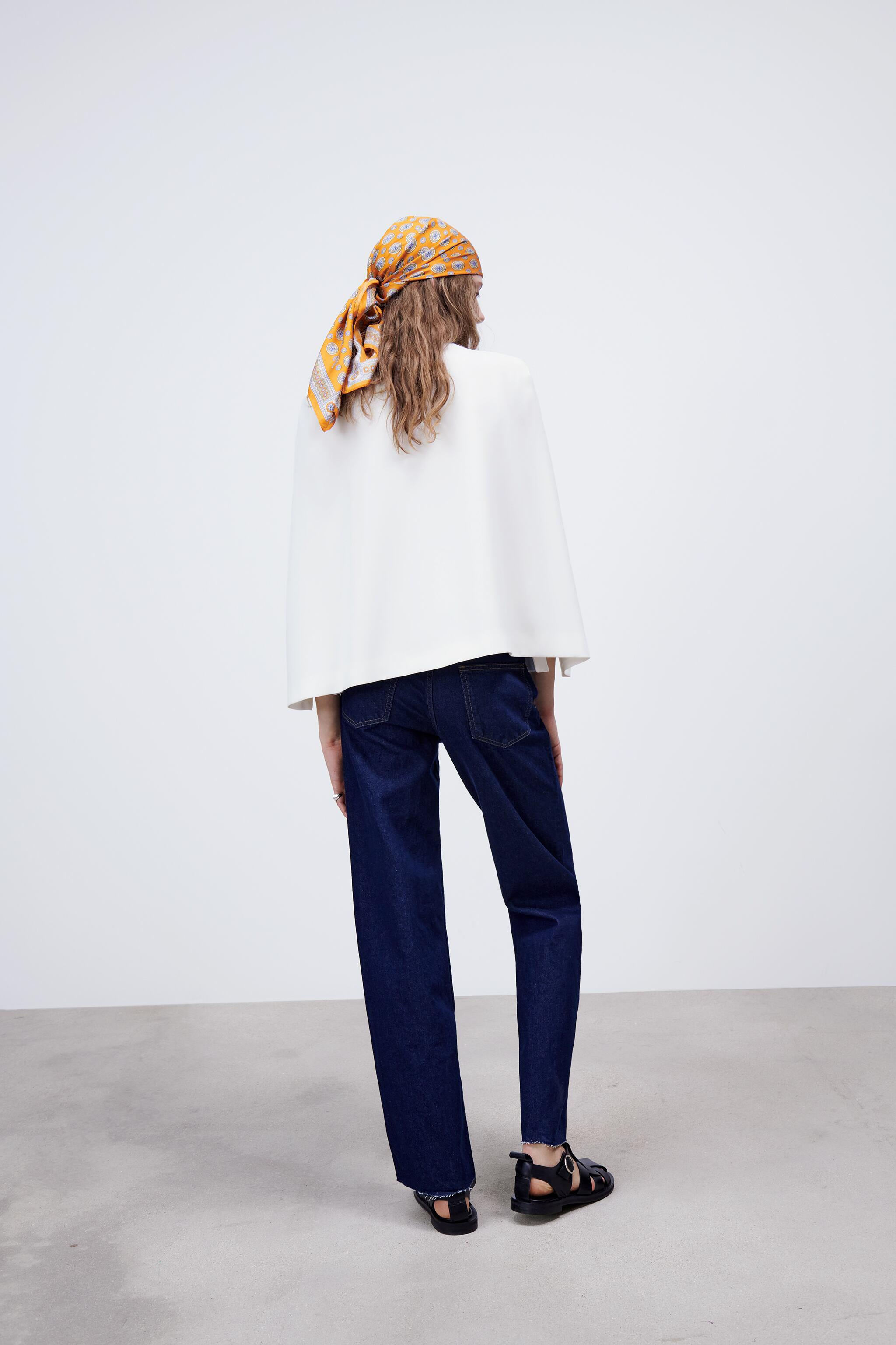 CAPE WITH SLITS 4