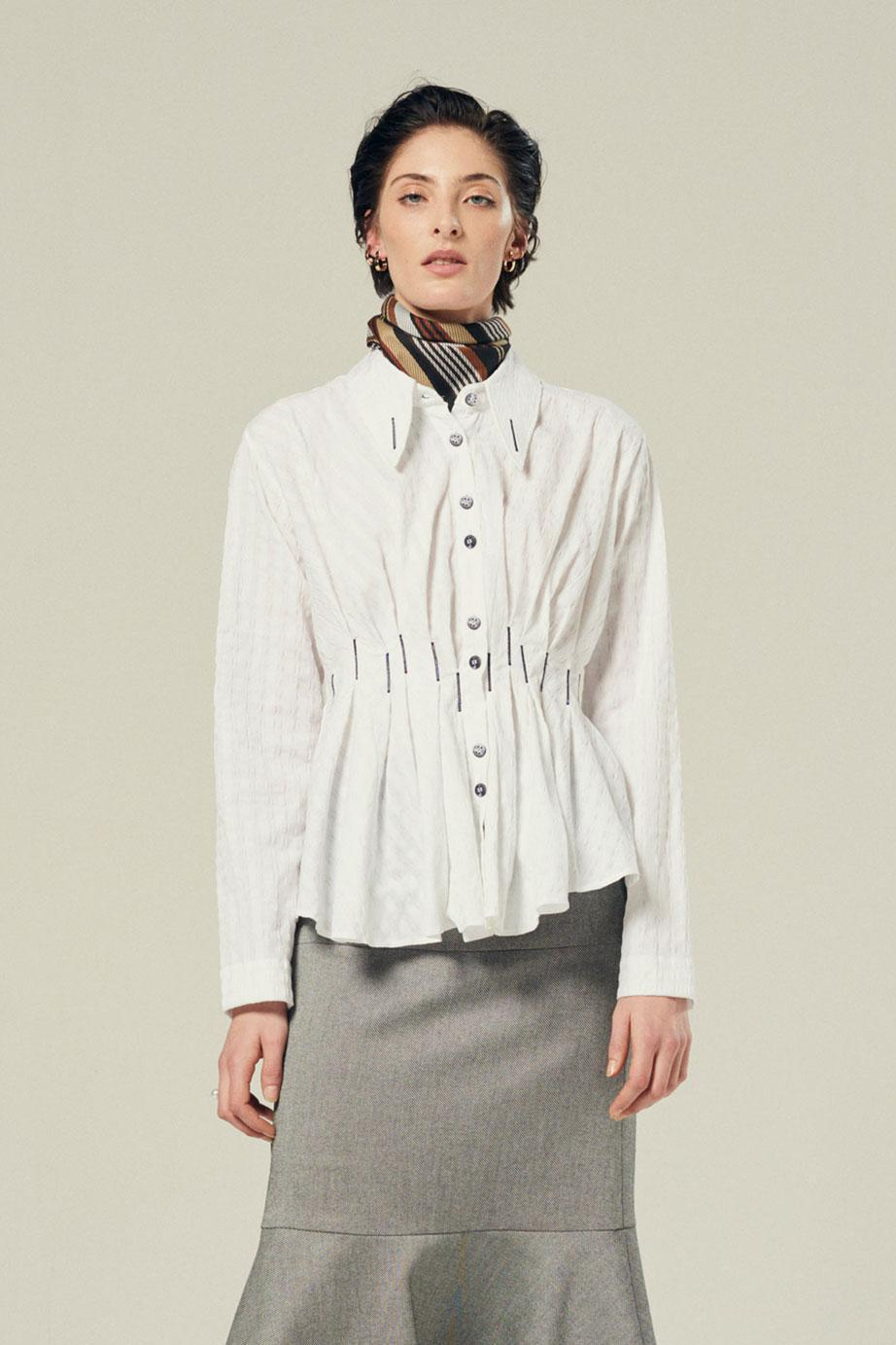 waisted pleated shirt in white textured cotton