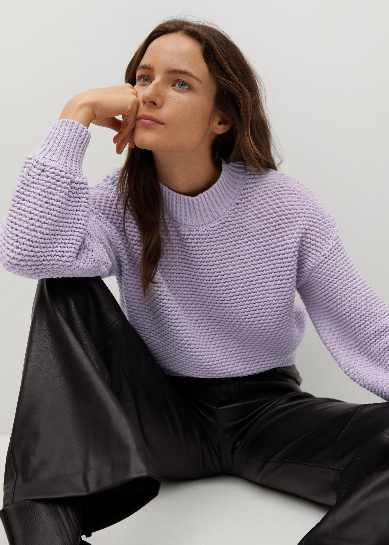 Embossed contrasting knit sweater 4