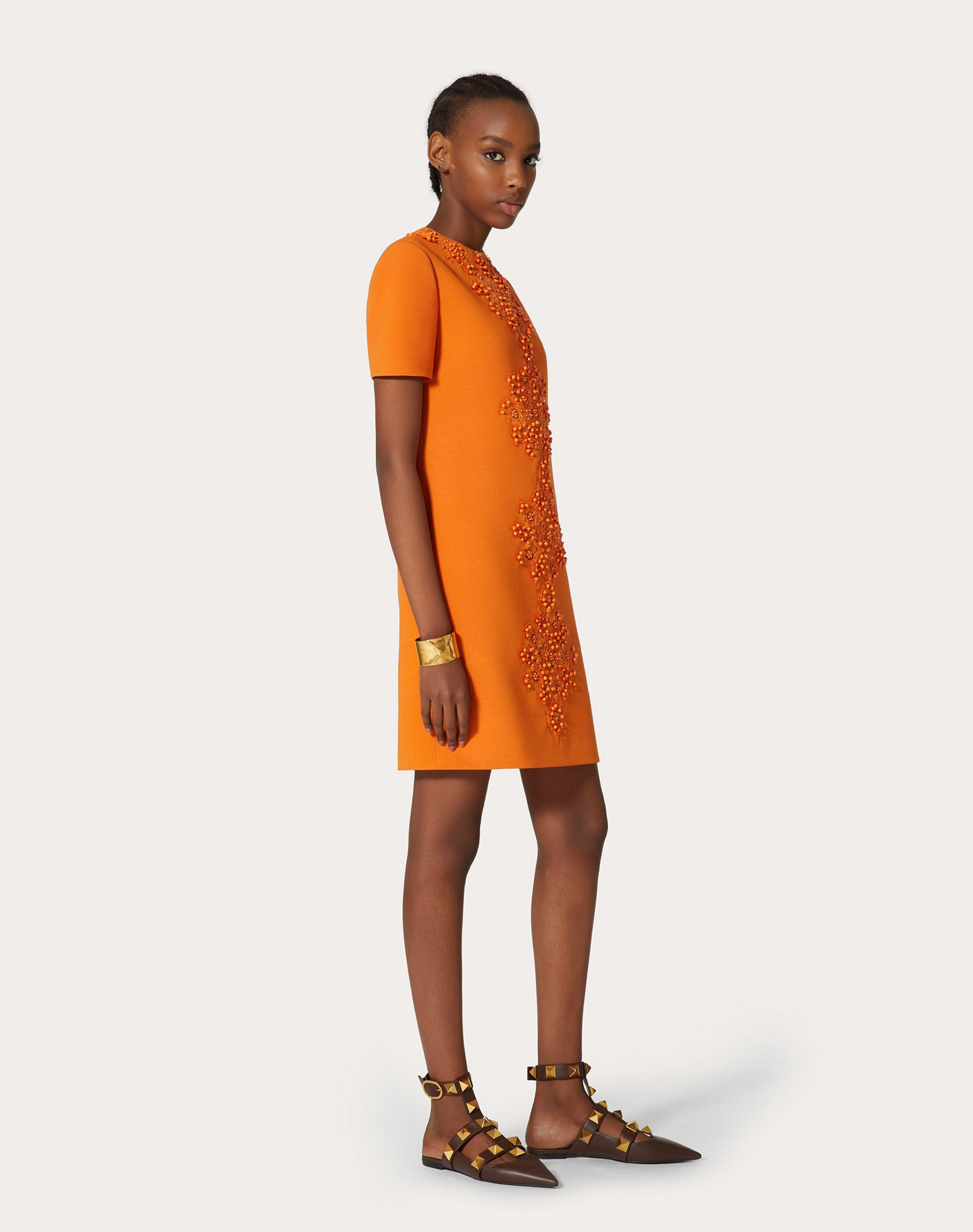 SHORT EMBROIDERED DRESS IN STRETCH CREPE COUTURE