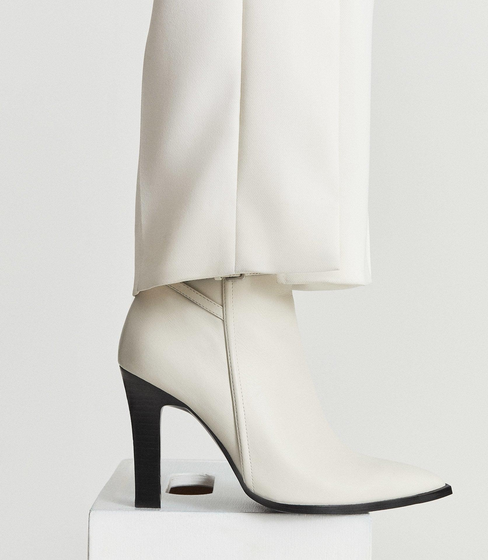 ADA ANKLE - LEATHER POINT-TOE ANKLE BOOTS 6