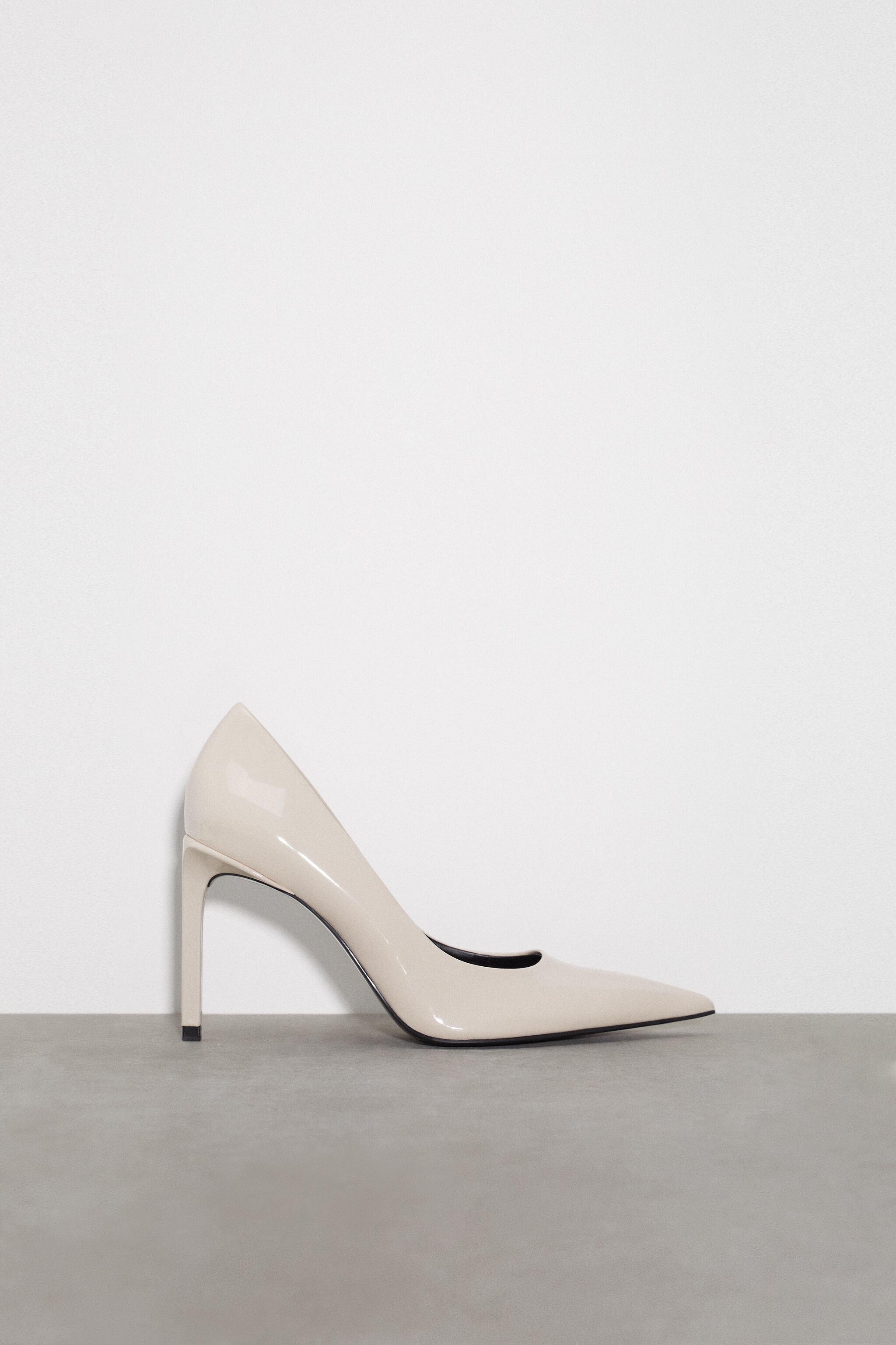 PATENT FINISH POINTED TOE HEELS 2