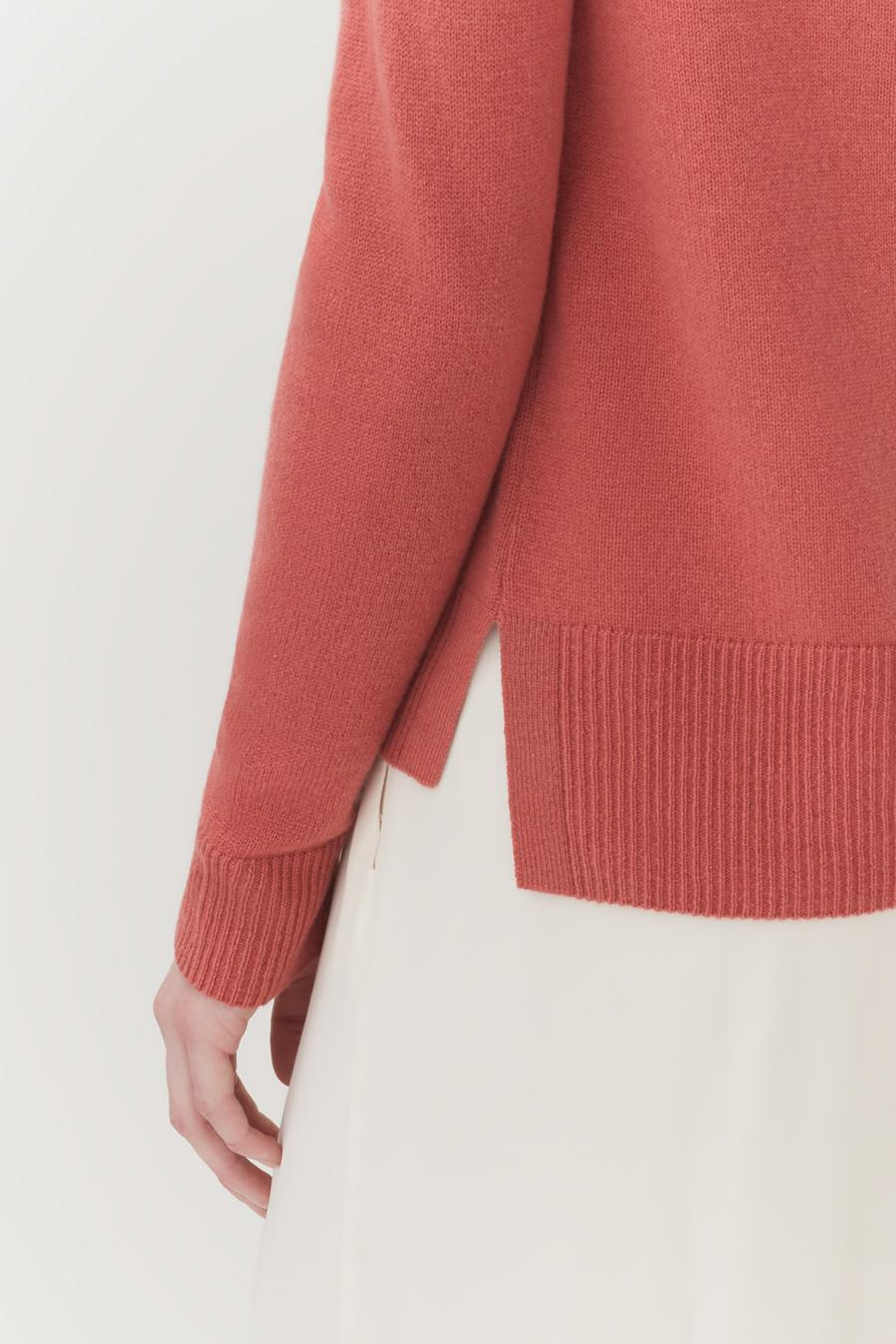 Women's Scoop Neck Sweater in Passion Fruit | Size: 3