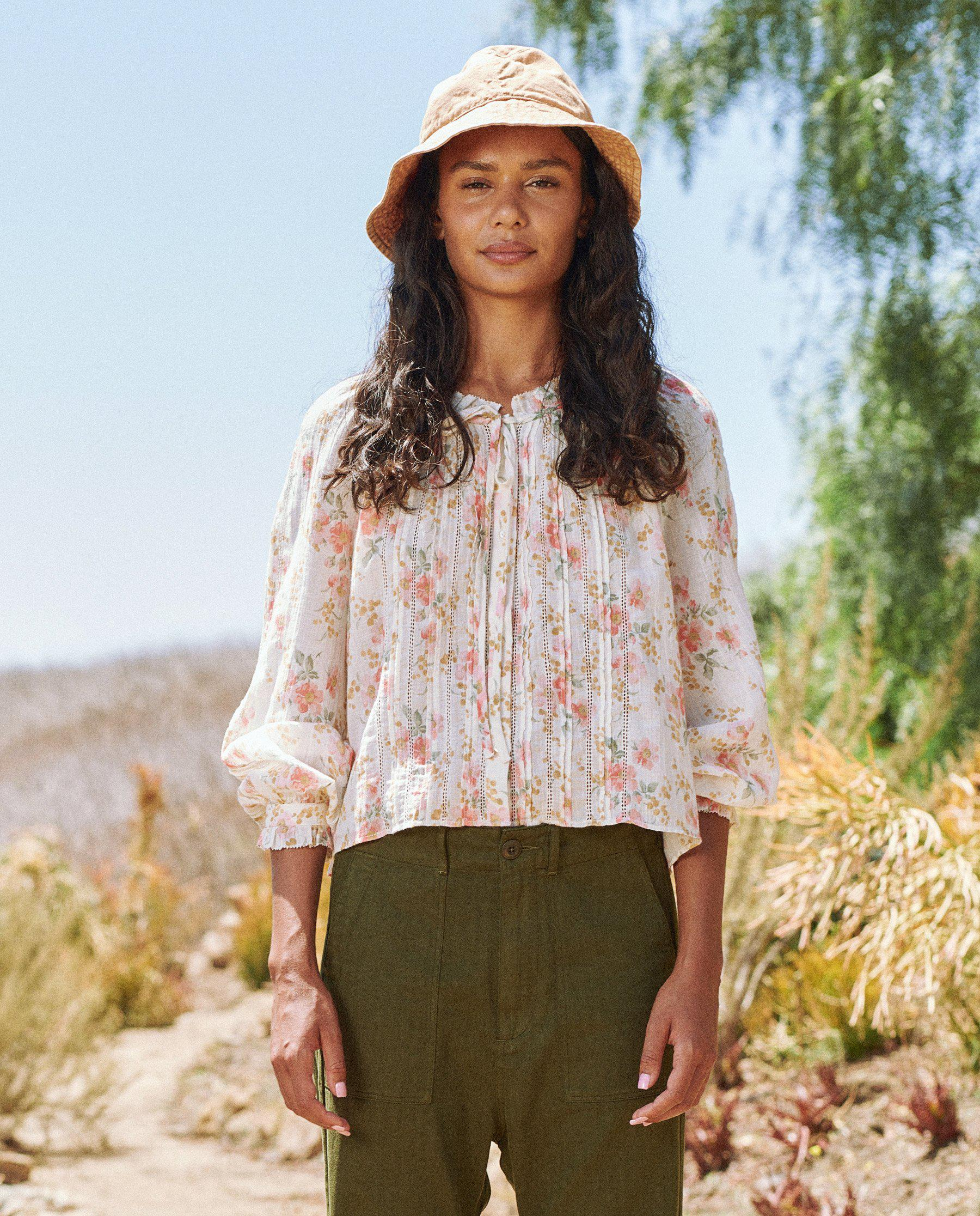 The Valley Top. -- Pink Sweet Pea Floral