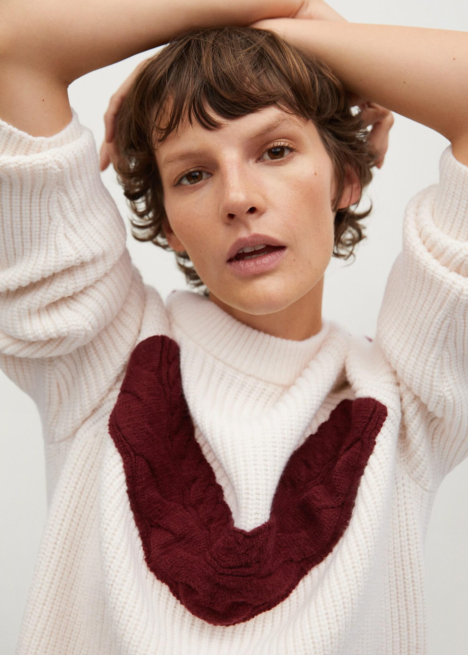 Contrasting knit sweater 4