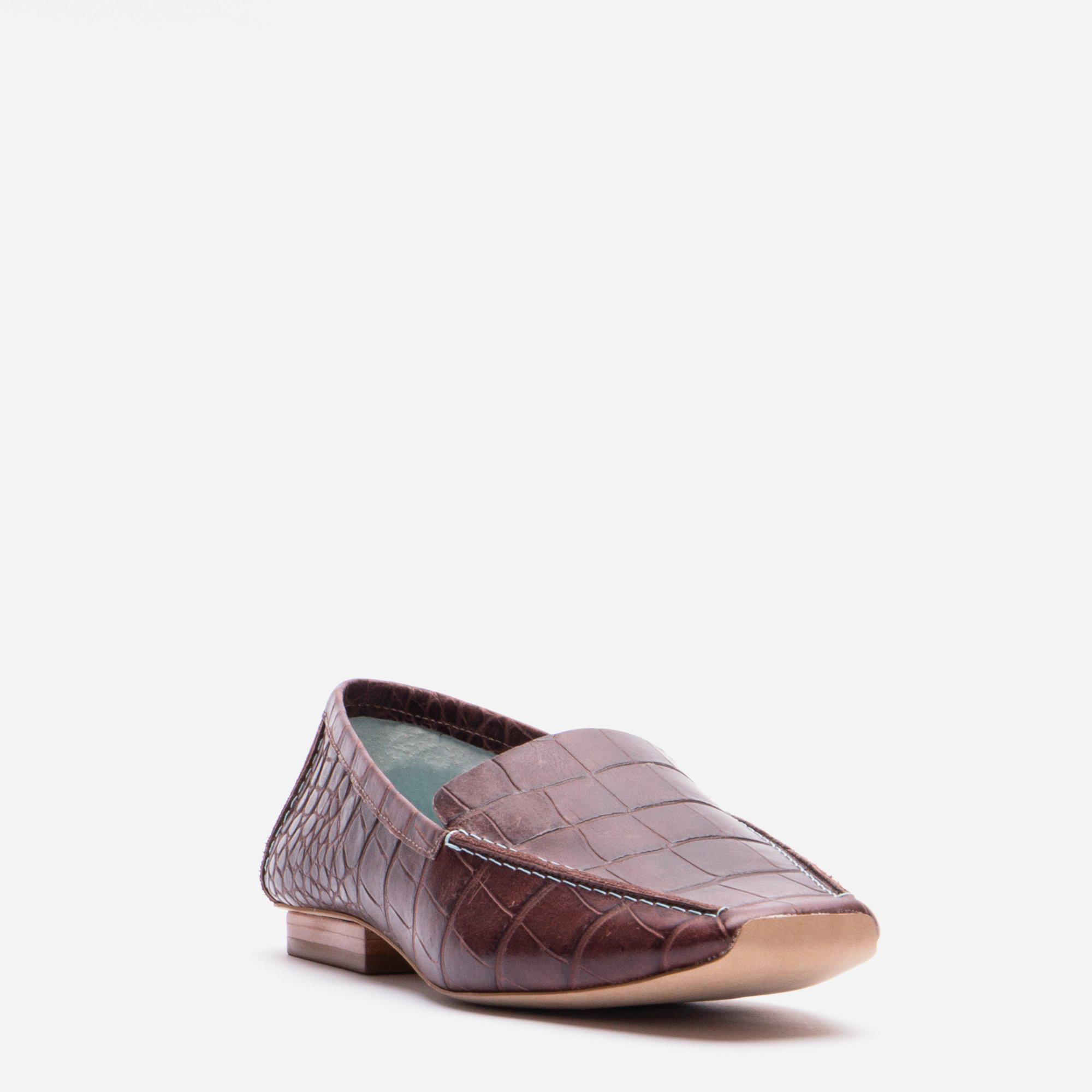 Elyce Loafer Croc Embossed Chocolate 1