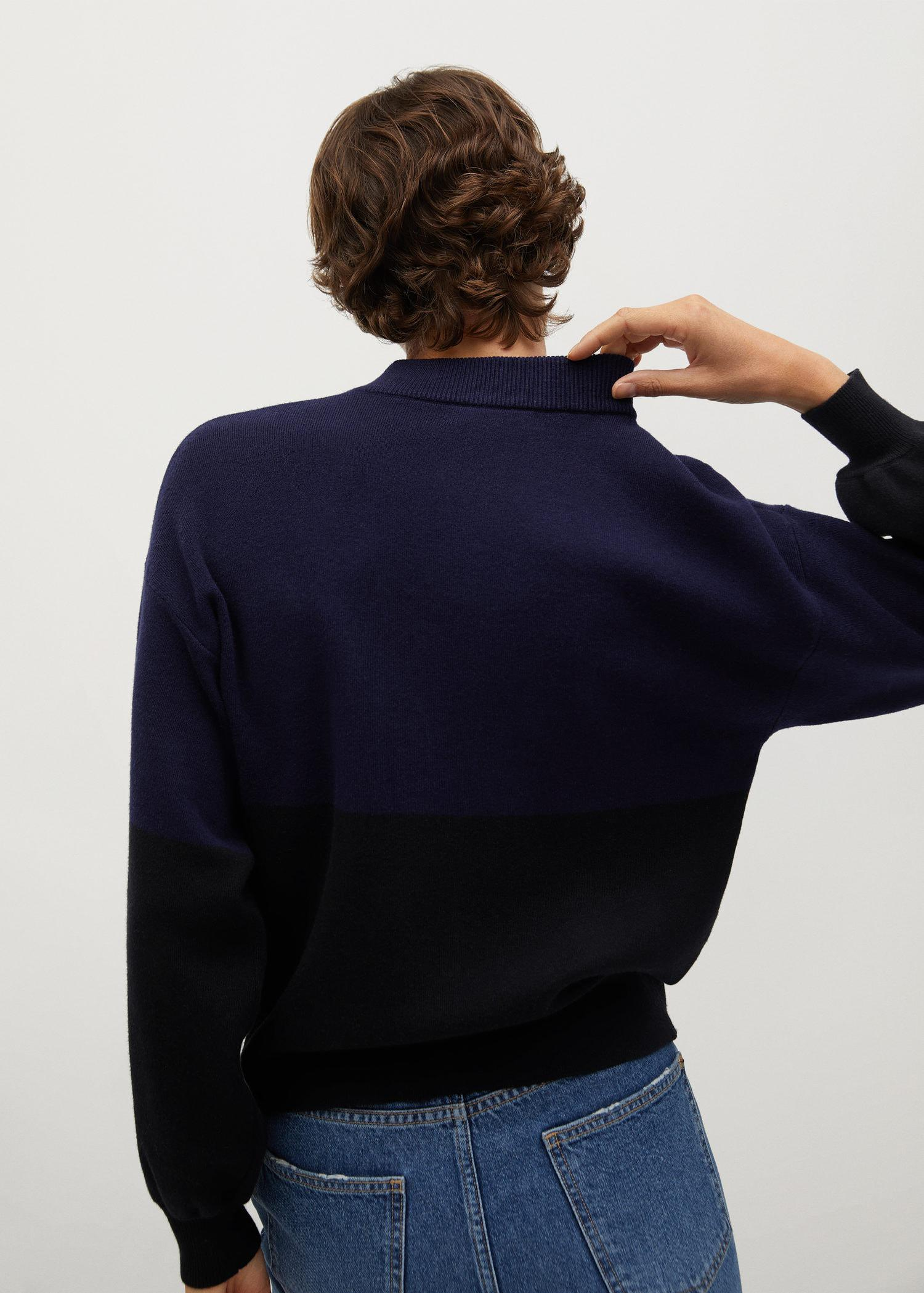 Sweater with puffed sleeves 5