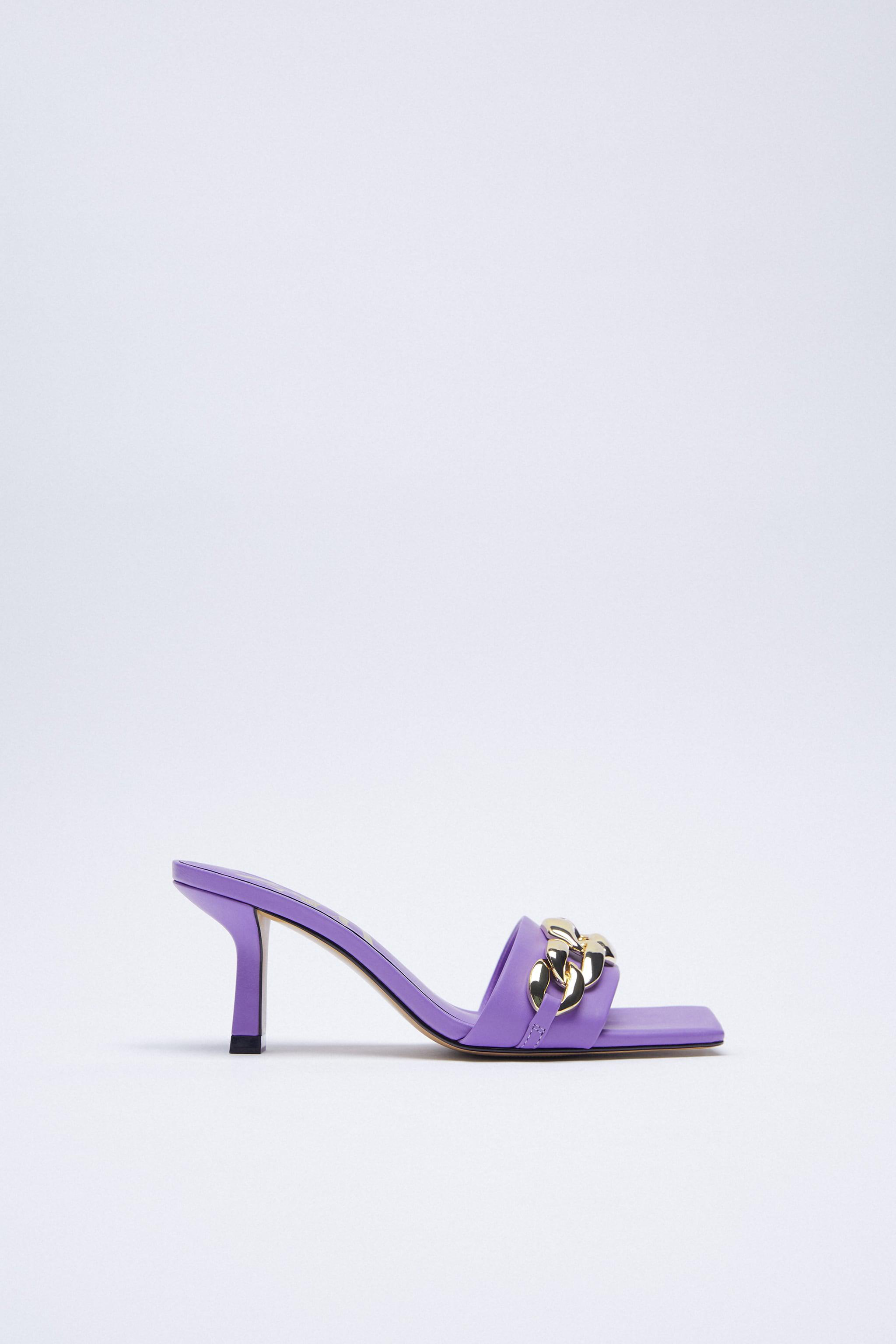 HIGH HEELED SANDALS WITH CHAIN