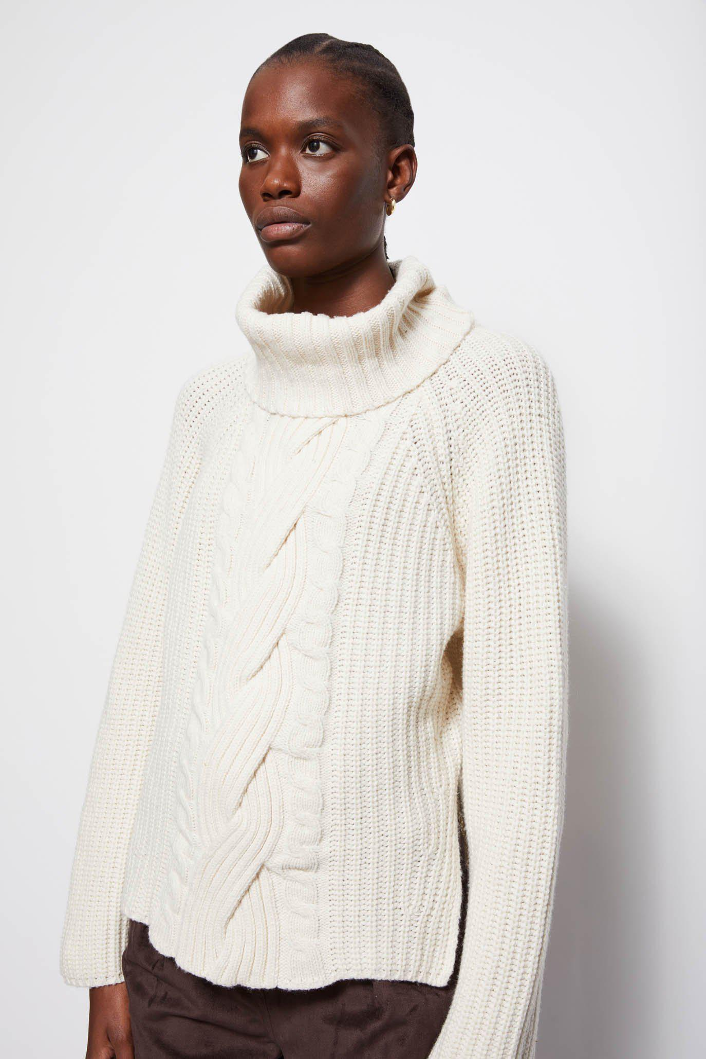 Hadley Traveling Cable Sweater 2