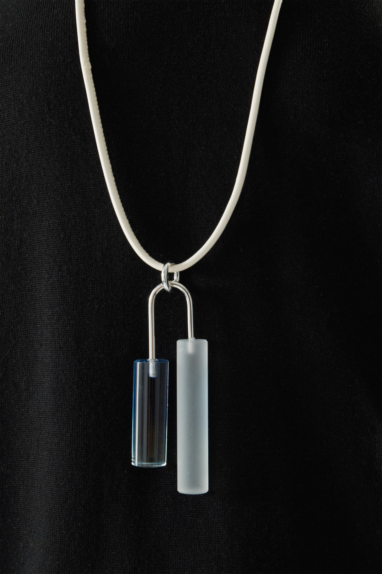 RECYCLED GLASS TWO-TONE PENDANT NECKLACE