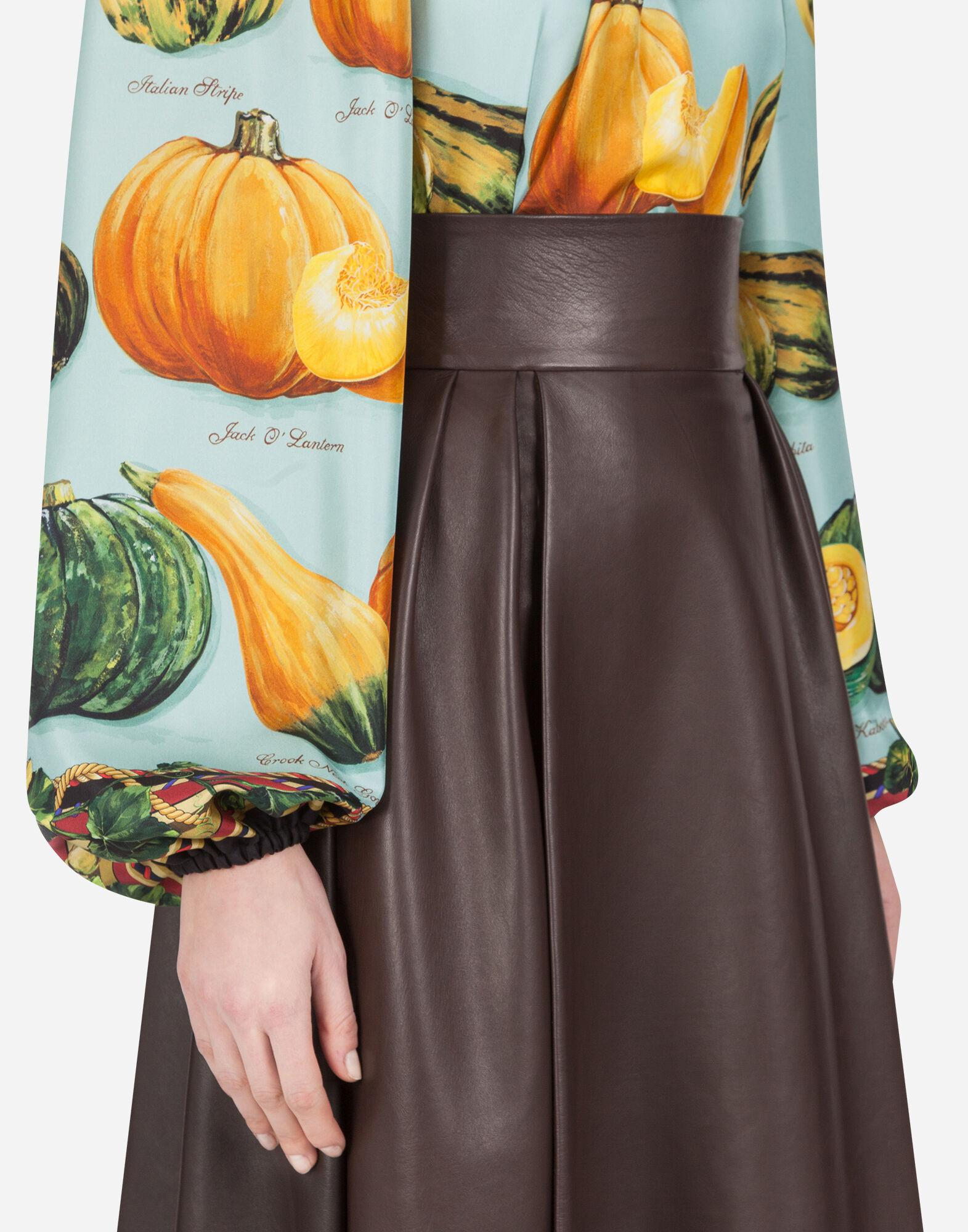 Twill blouse with pumpkin print 2
