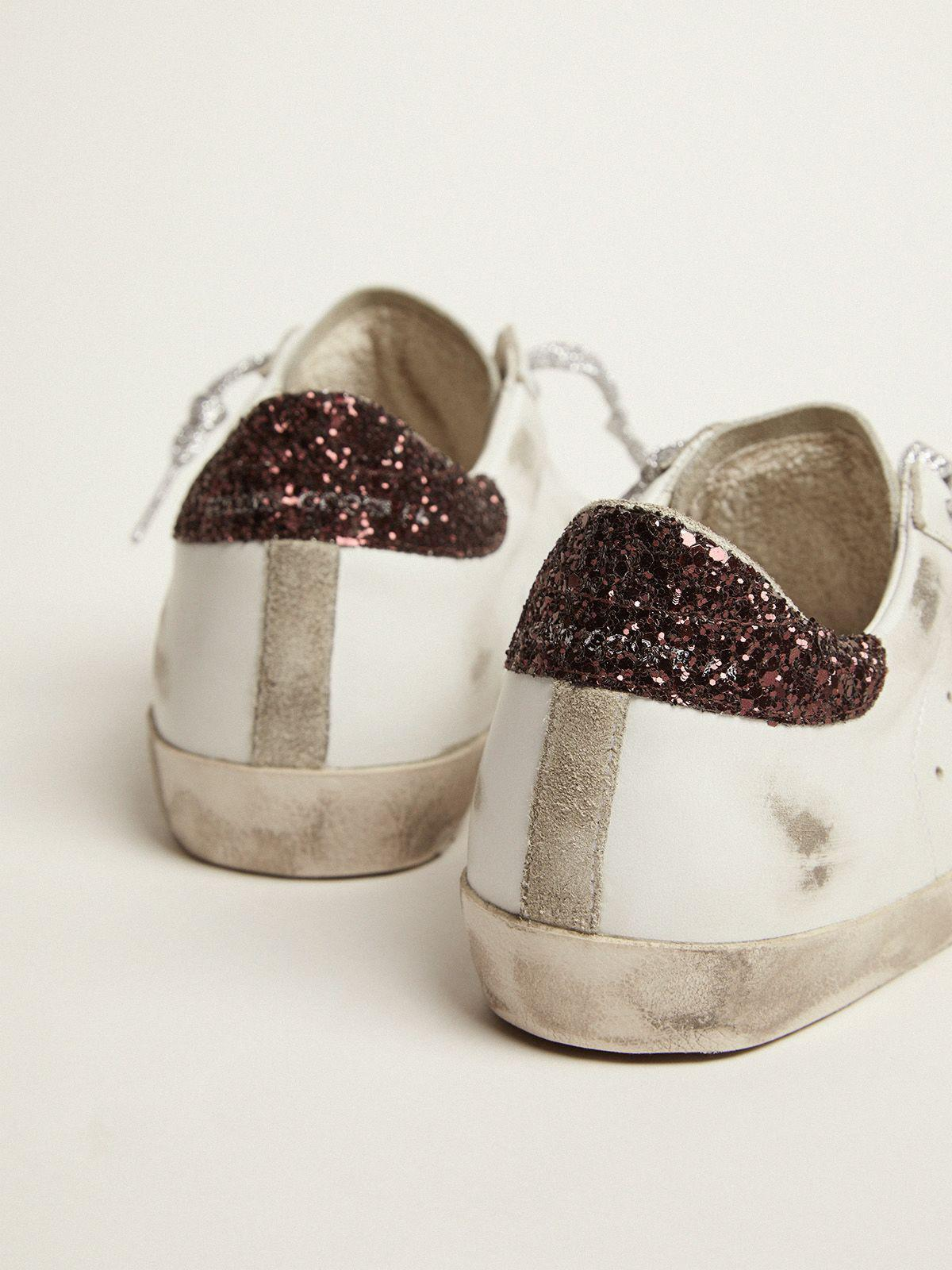Super-Star sneakers with brown glitter heel tab and pink crackled leather star 3