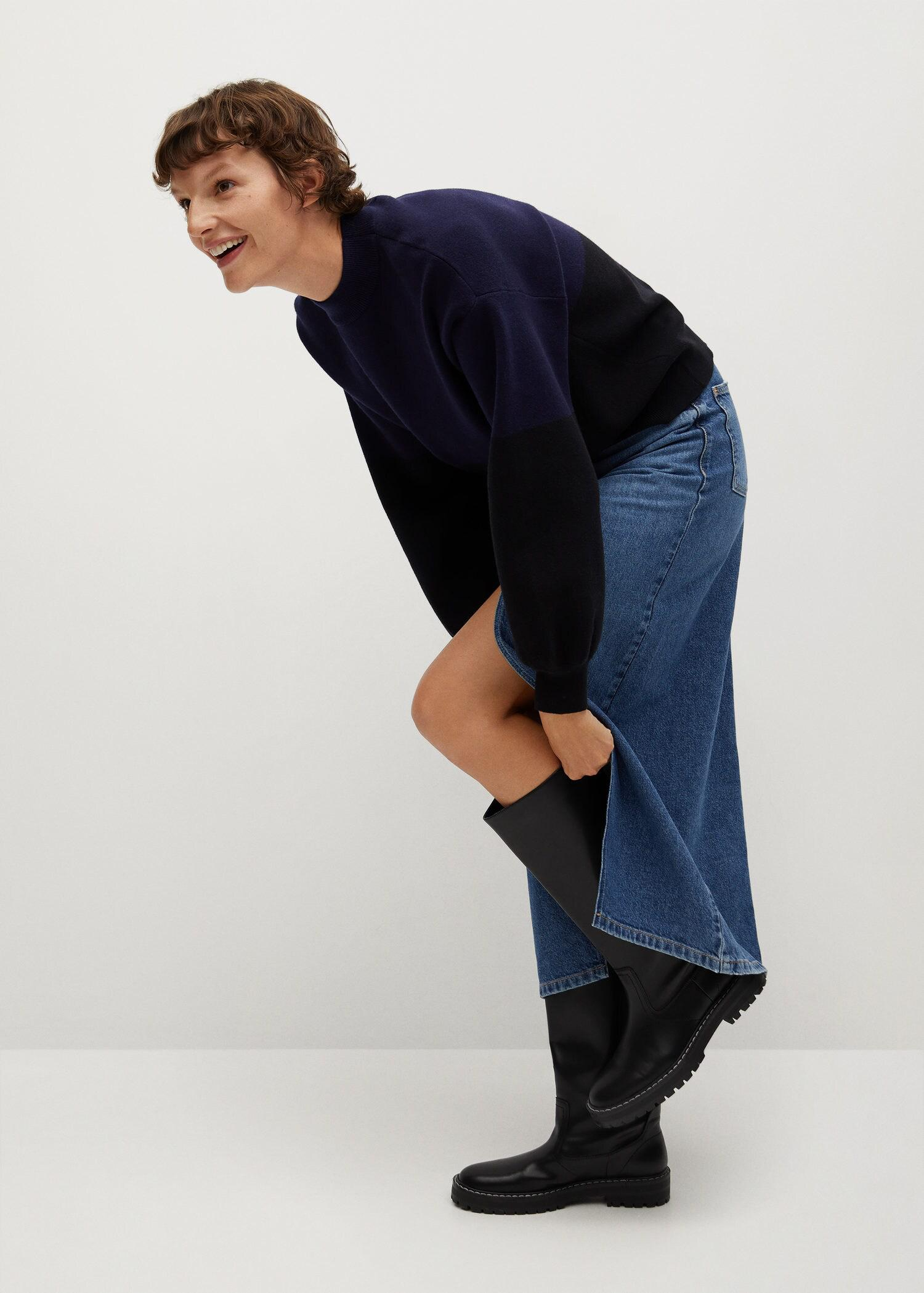 Sweater with puffed sleeves 4