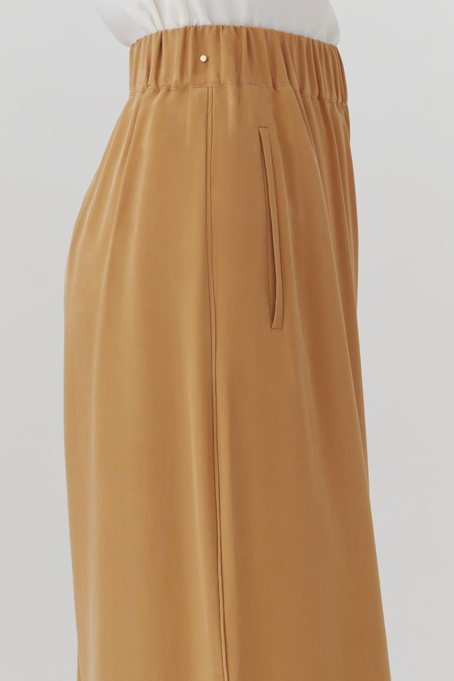Women's Wide-Leg Cropped Pant in Honey | Size: XS | Washable Silk by Cuyana 3