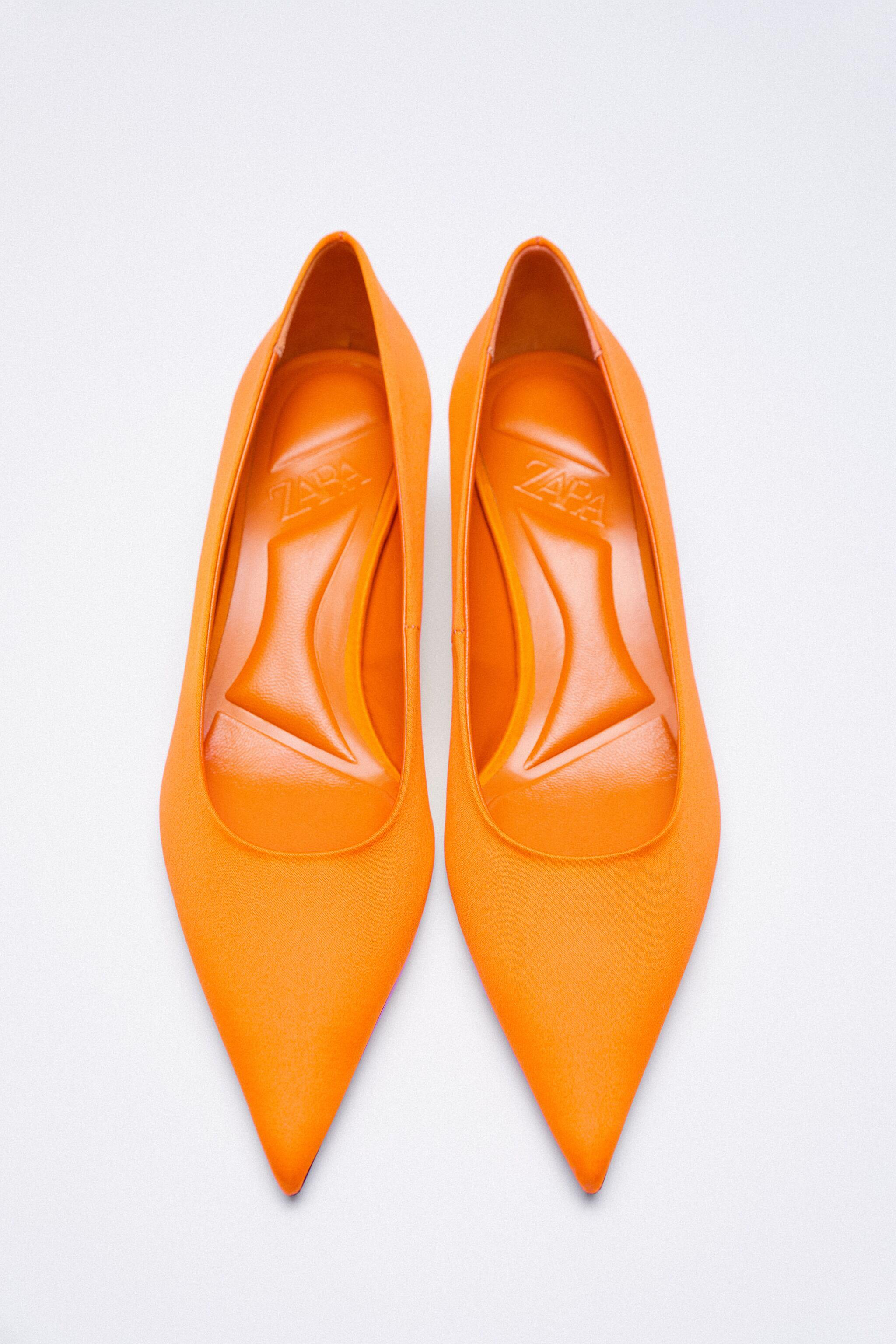 SATIN EFFECT POINTED TOE HEELS 10
