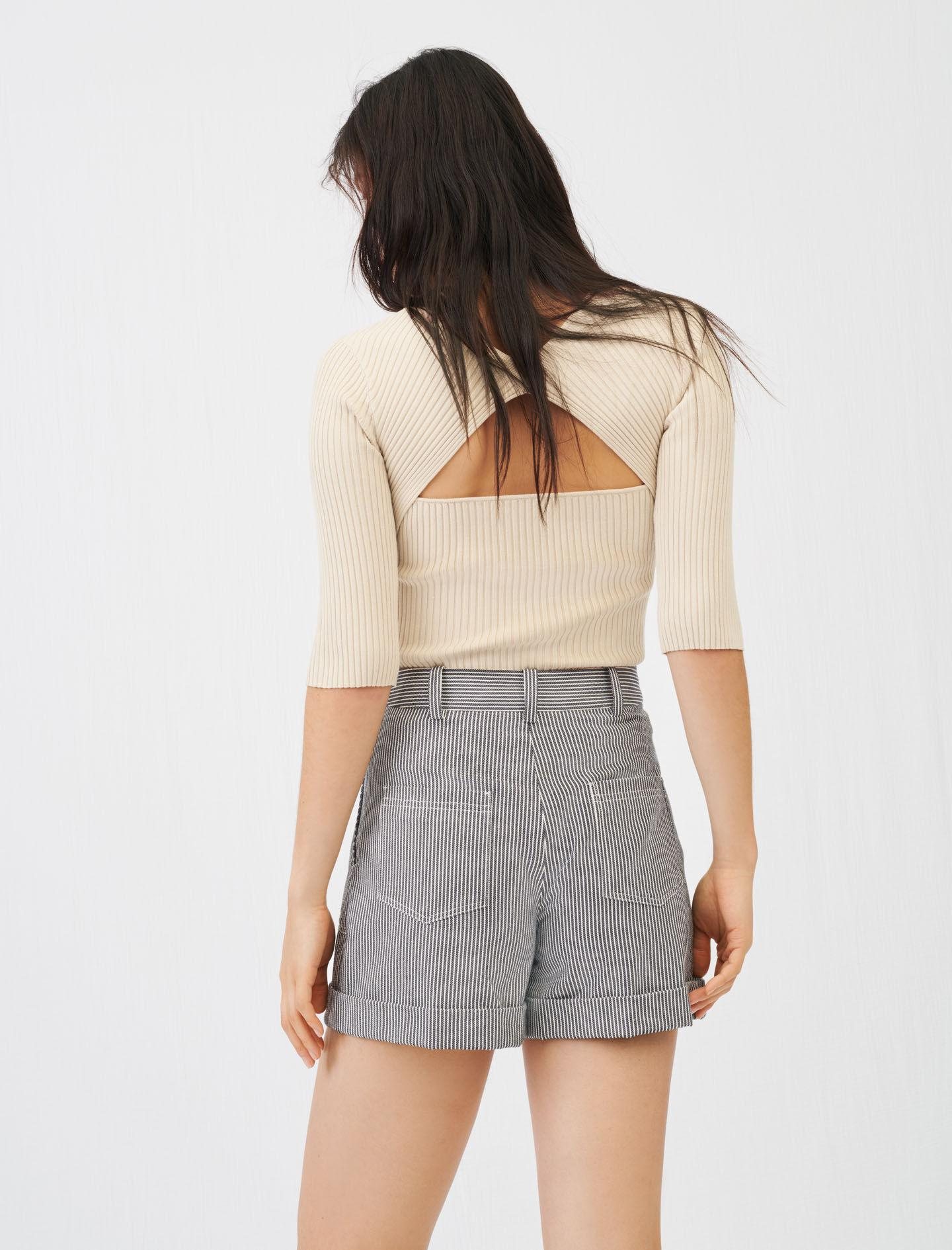 FINE RIBBED SWEATER WITH AN OPEN BACK