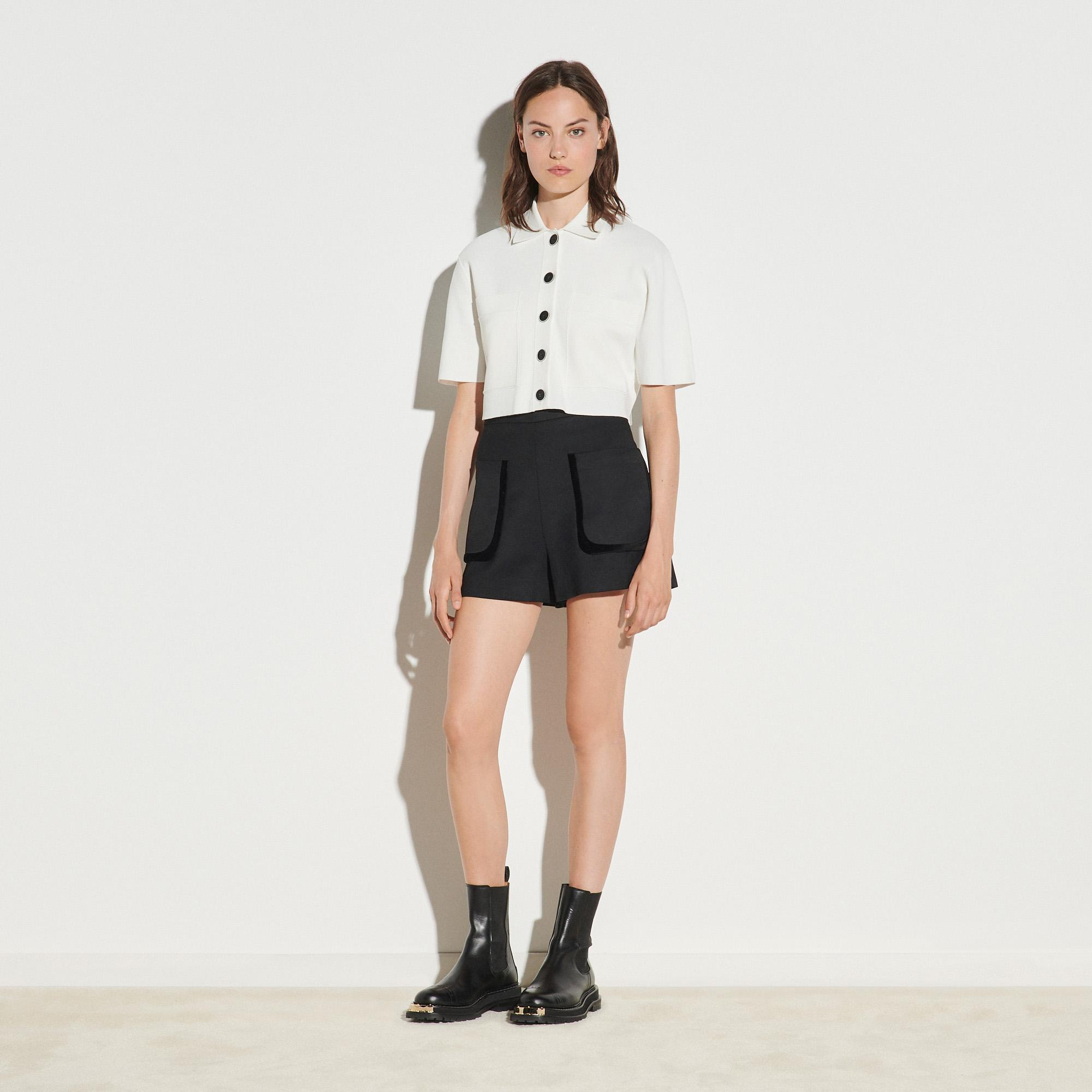 Shorts with large patch pockets 4
