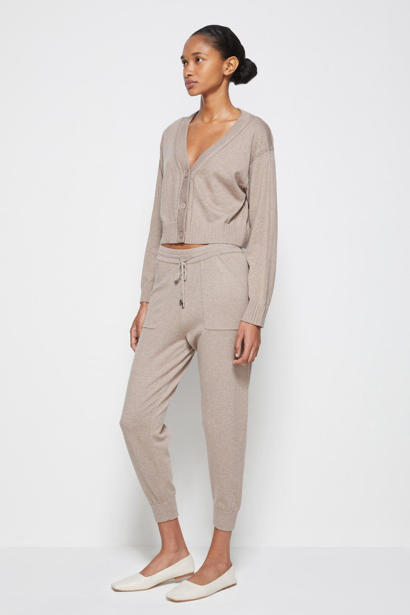 Off-Duty Cashmere Joggers 3