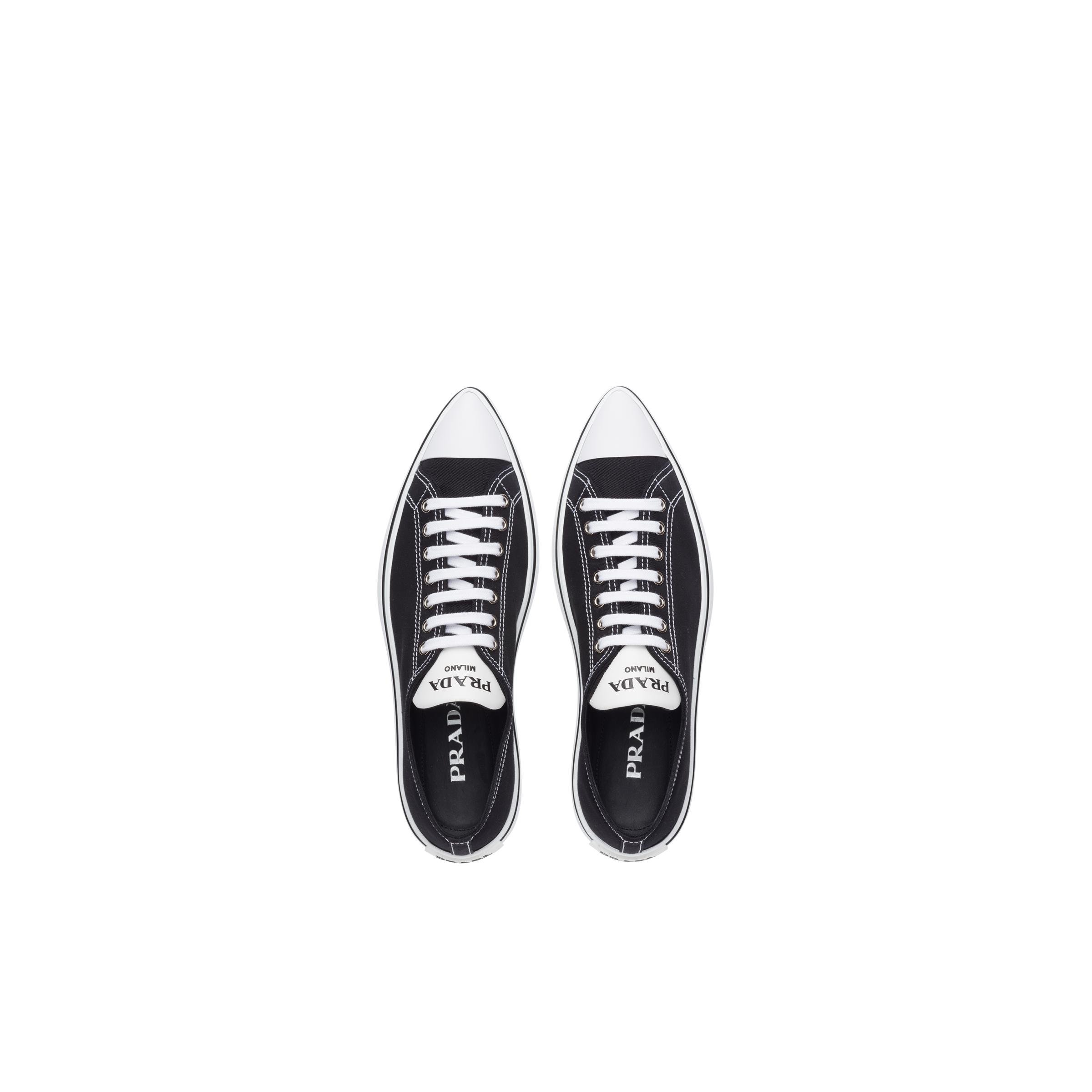 Synthesis Sneakers Women Black 1
