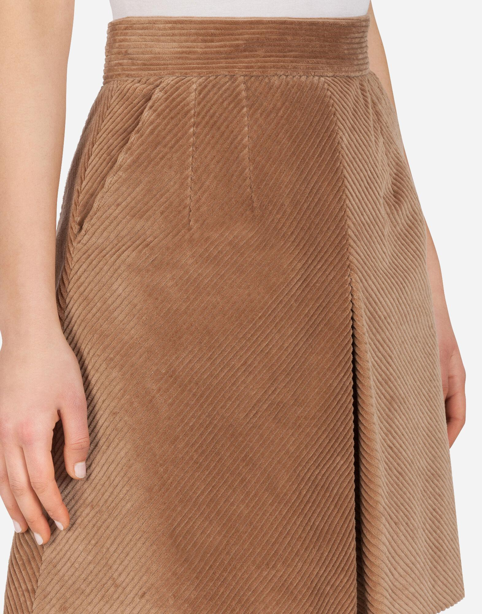 Short skirt in corduroy with kick pleat 4
