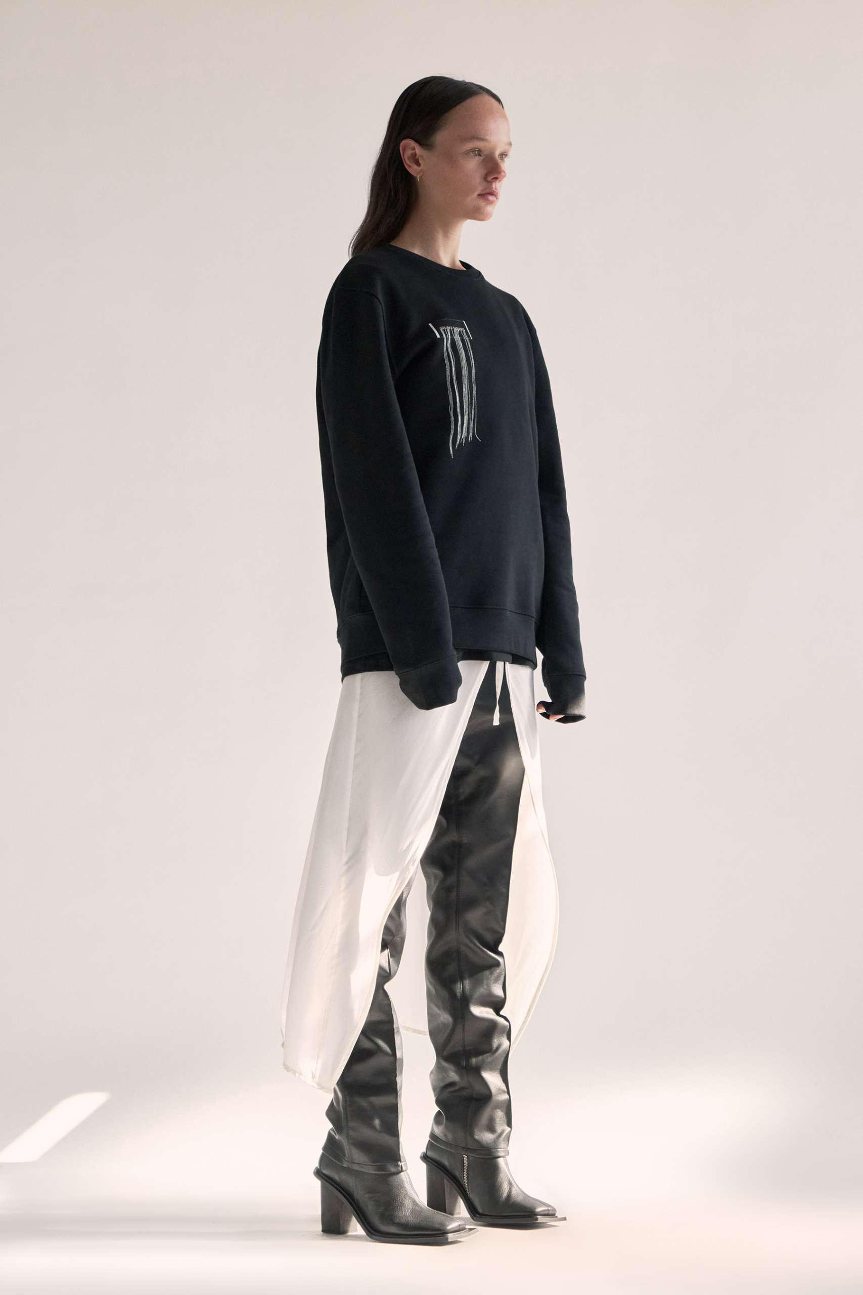 CARBON SWEATER – FRAYED W 1