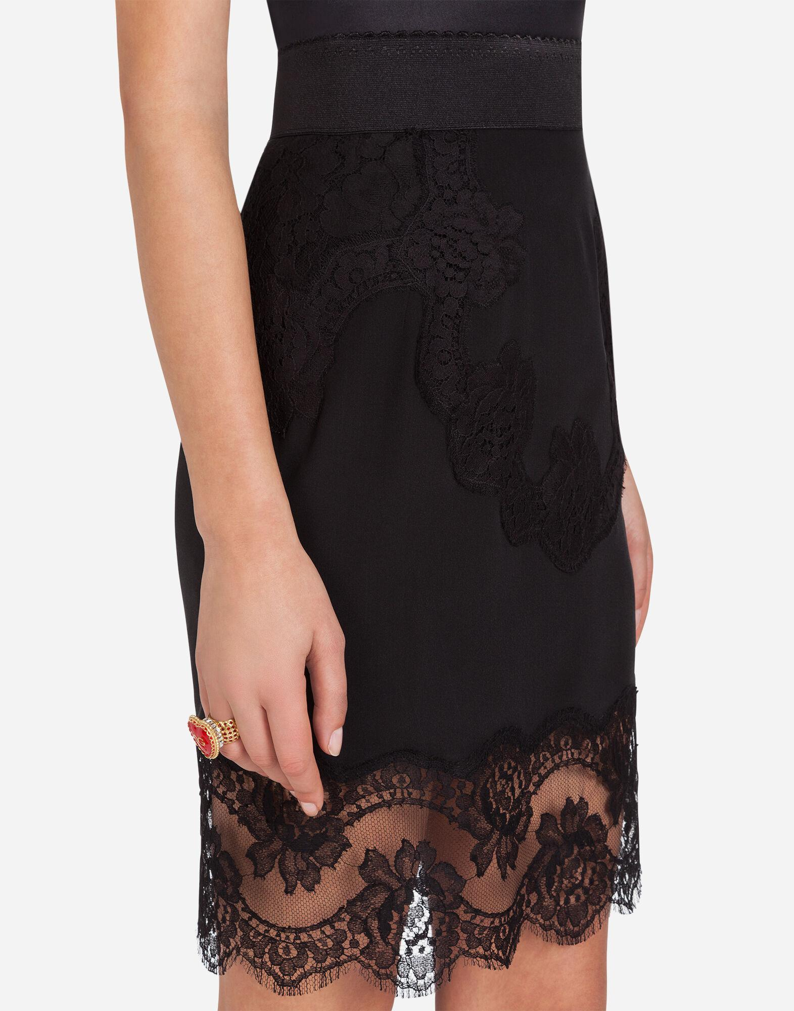 Lingerie short skirt in crepe-de-chine and lace