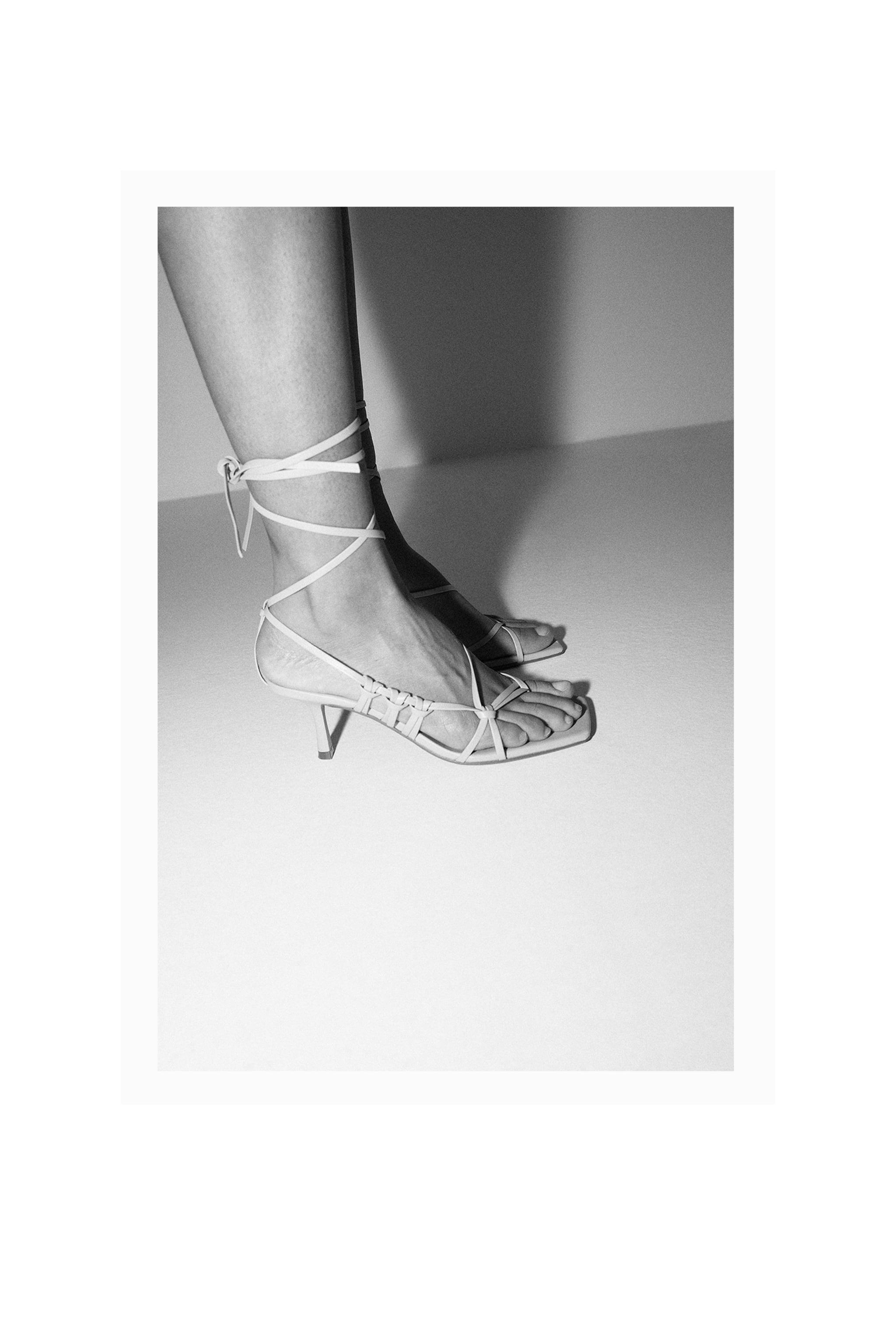 HEELED STRAPPY LEATHER SANDALS 7