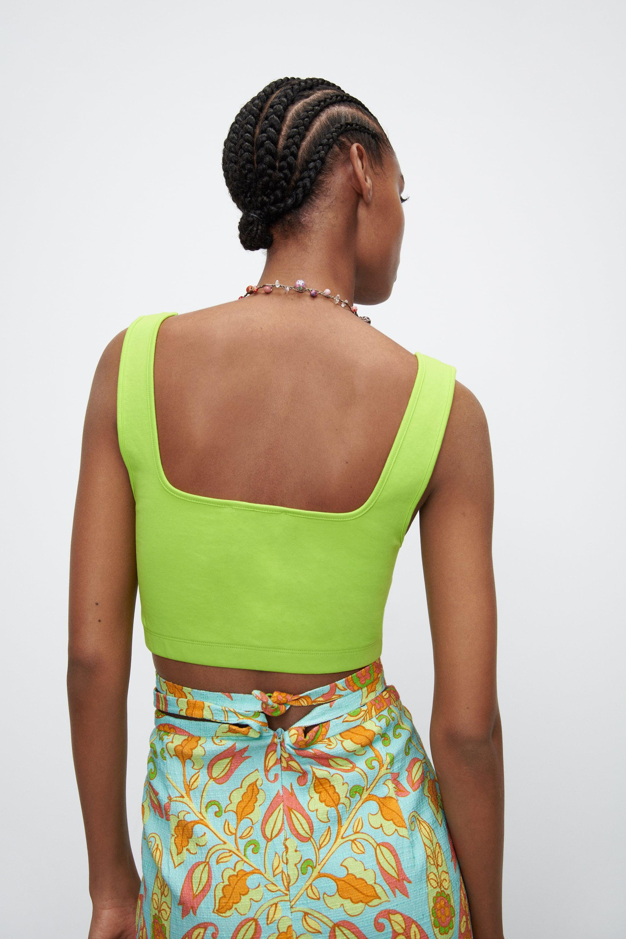 SEAMLESS CROPPED TOP 2