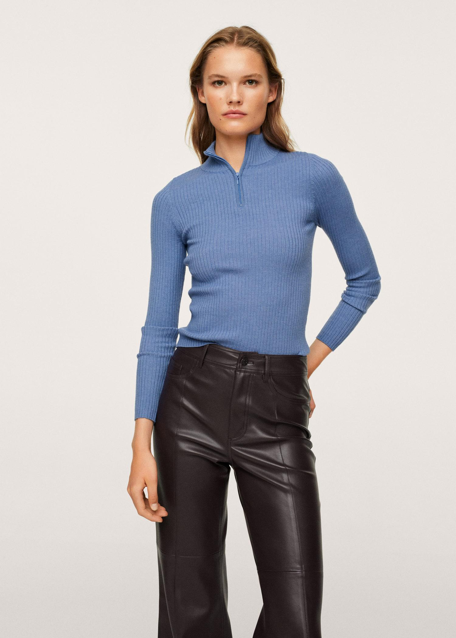 Ribbed sweater with zipper