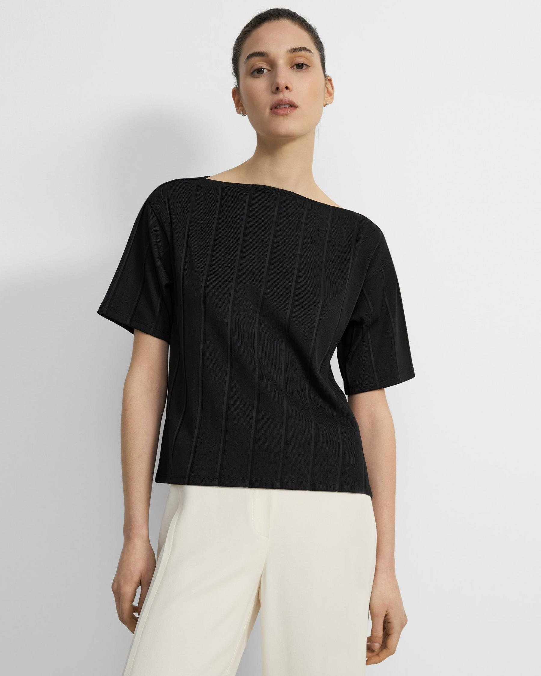 Straight Tee in Ribbed Stretch Knit