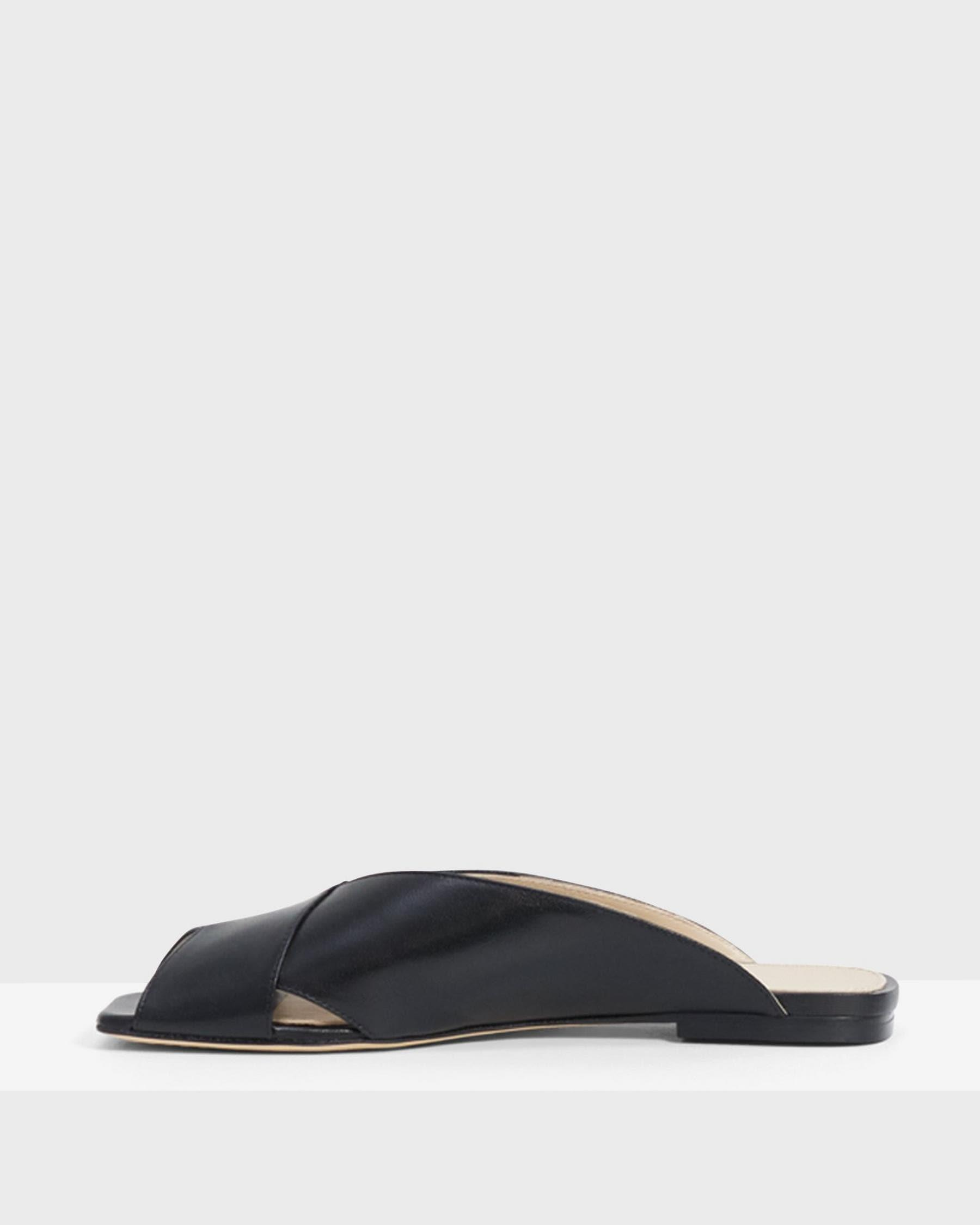 V Flat Mule in Leather 4