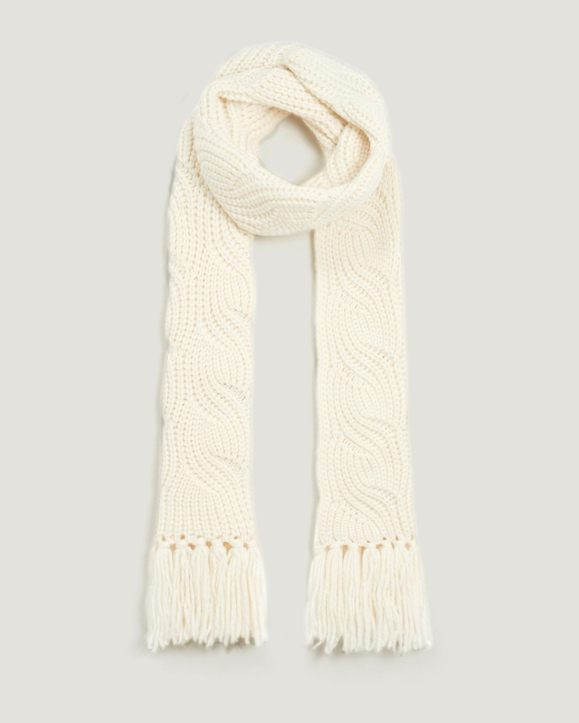 YGNES OVERSIZED CABLE KNIT SCARF